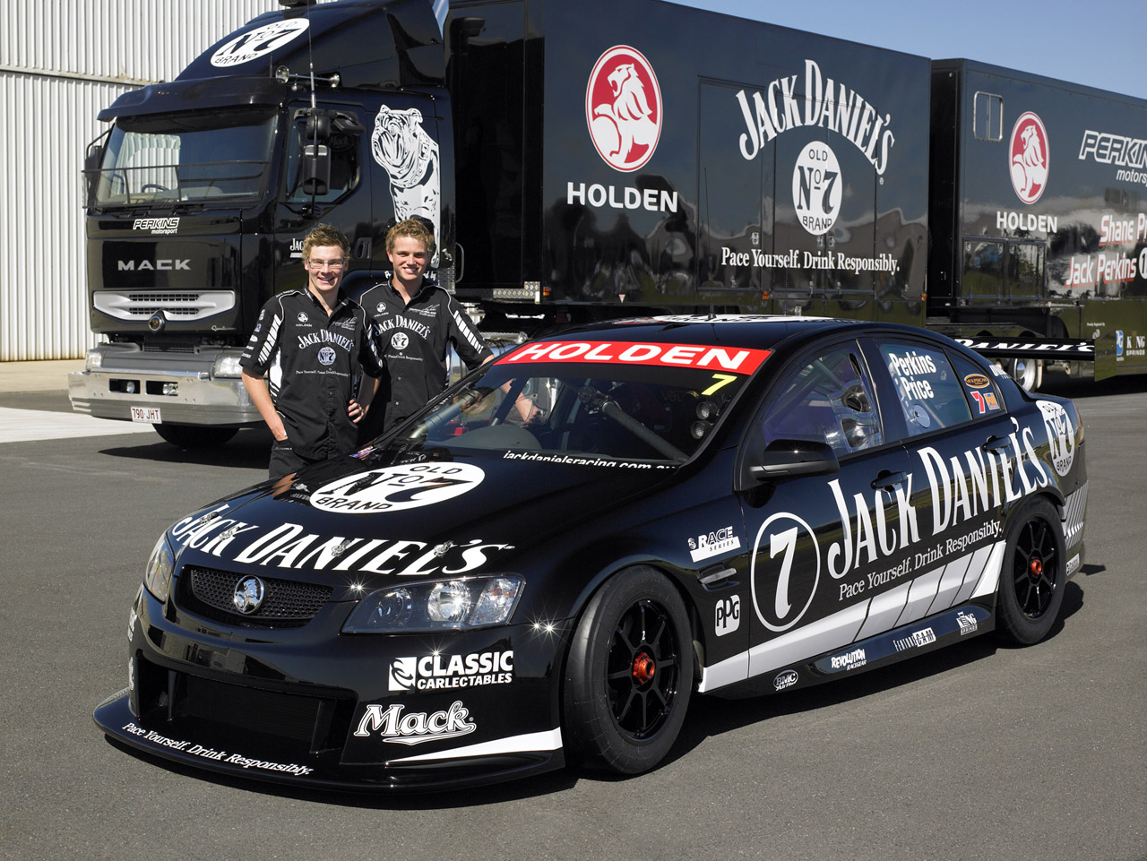 Jack Daniel's Racing Holden Commodore VE V8 Supercar | Top Speed