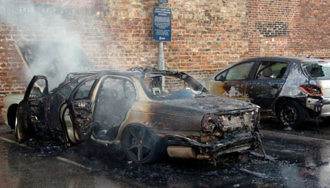 Awesome A 2007 Jaguar XJ Of York Caught Fire In A Parking Lot After Itu0027s Owner Mr  Elmer  Luckily The Owner Was Not In The Vehicle When It Caught Fire. Home Design Ideas