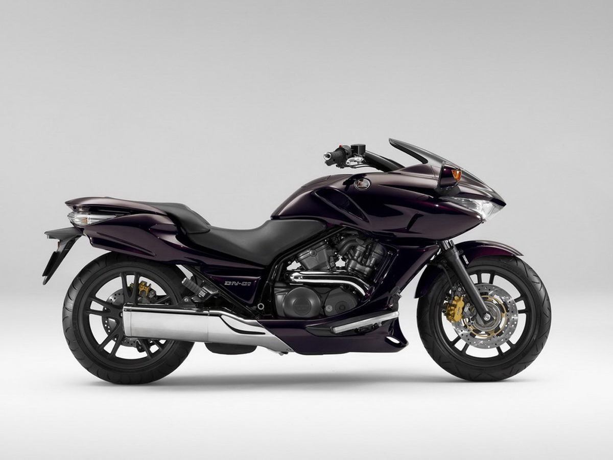 Honda DN-01: powerful and reliable motorcycle with innovative transmission