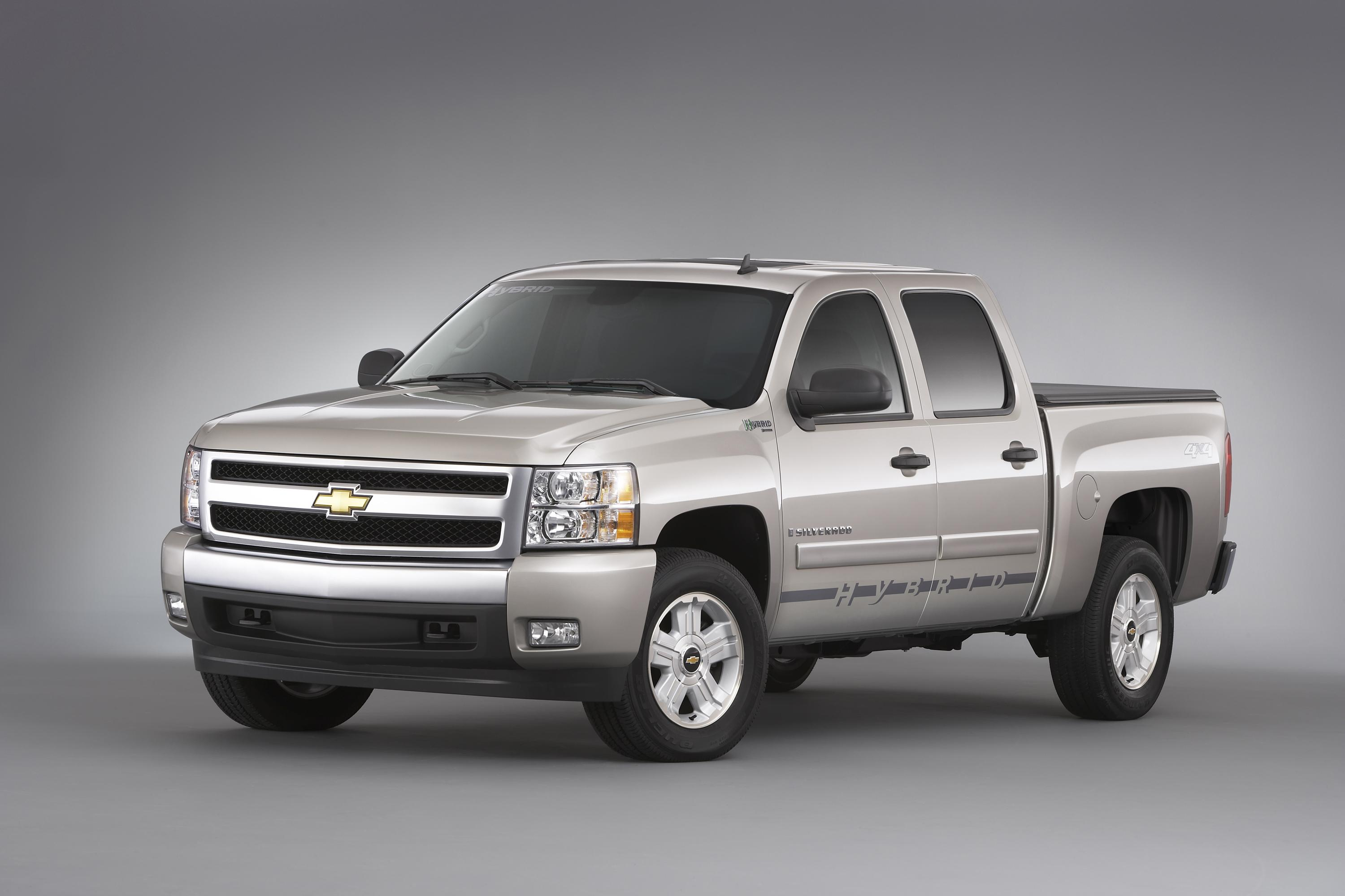 Affirming its commitment to fuel solutions and truck leadership chevrolet announced the 2009 chevrolet silverado hybrid a full size pickup that achieves