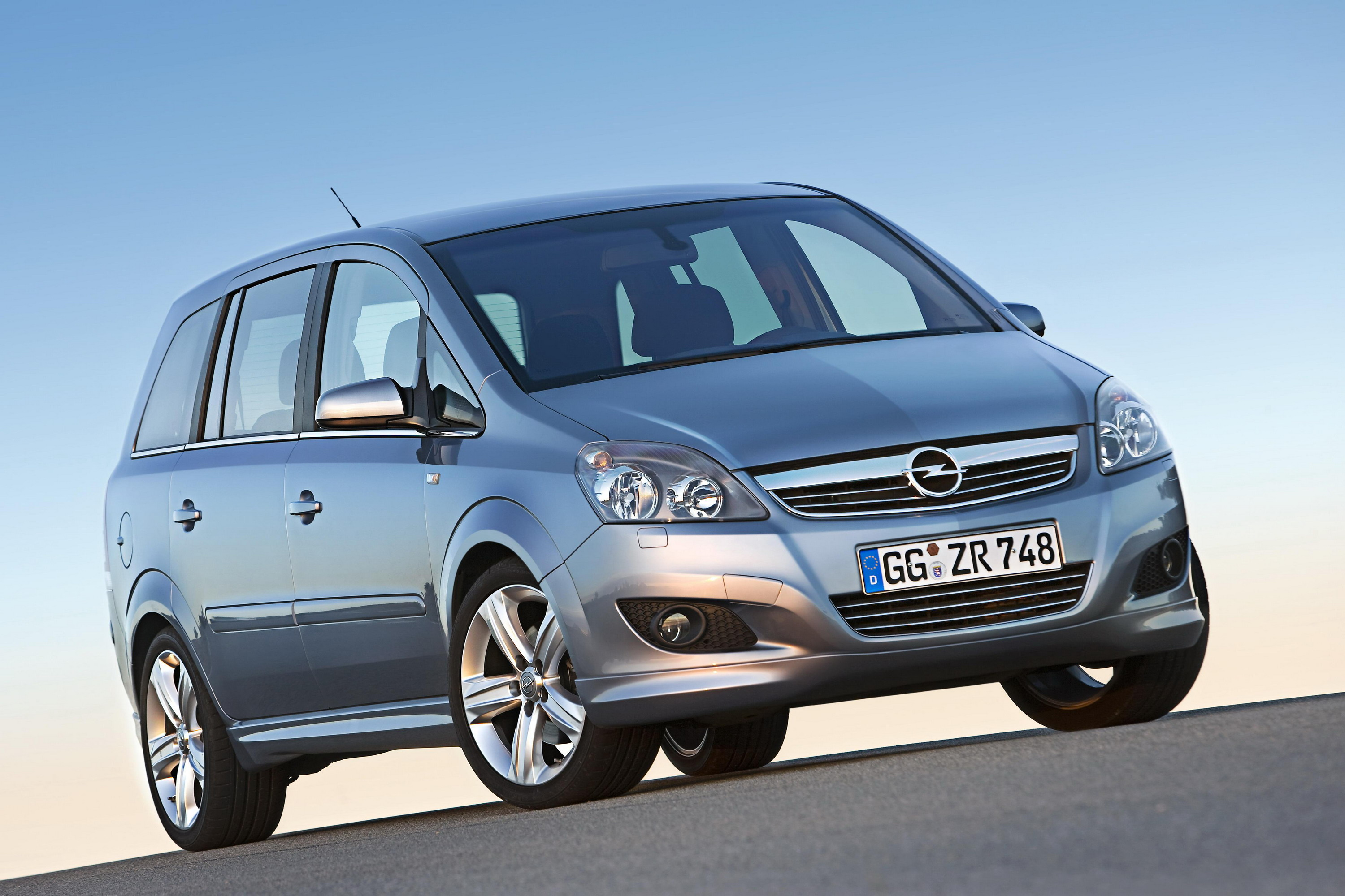 opel zafira pricing announced top speed. Black Bedroom Furniture Sets. Home Design Ideas