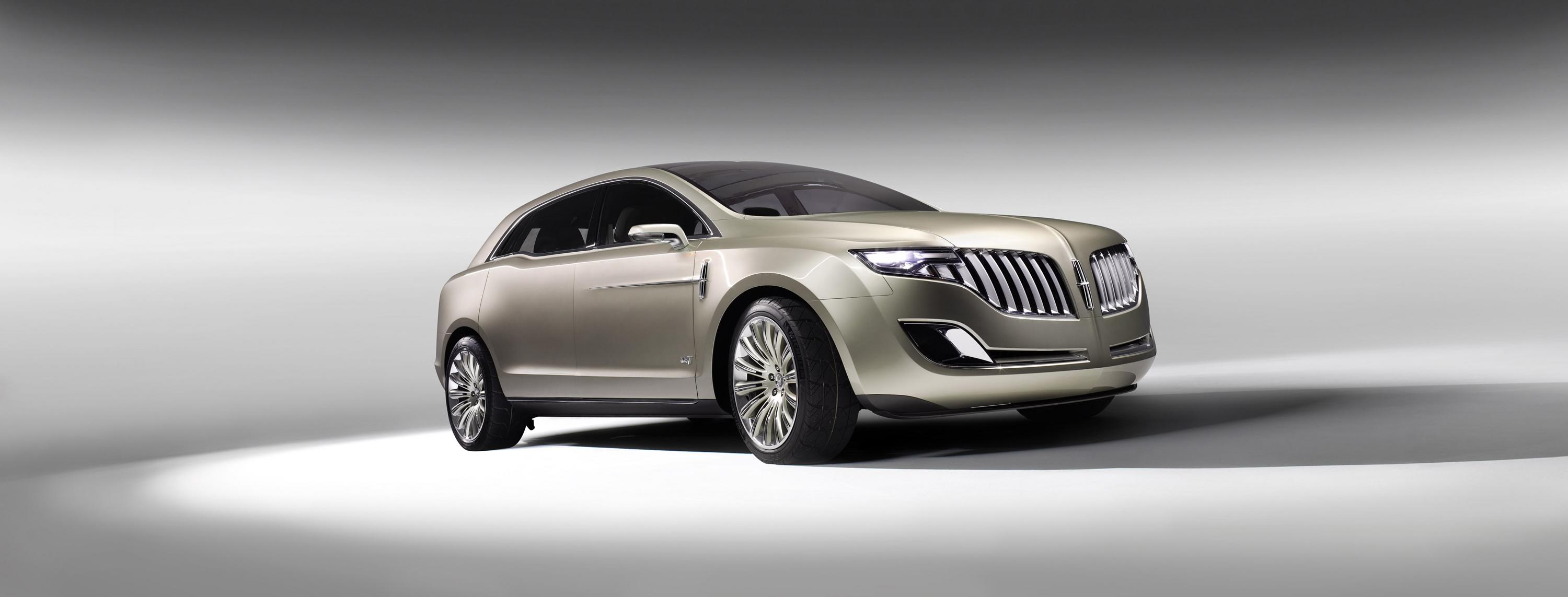 of vehicle used lincoln mkt expert review