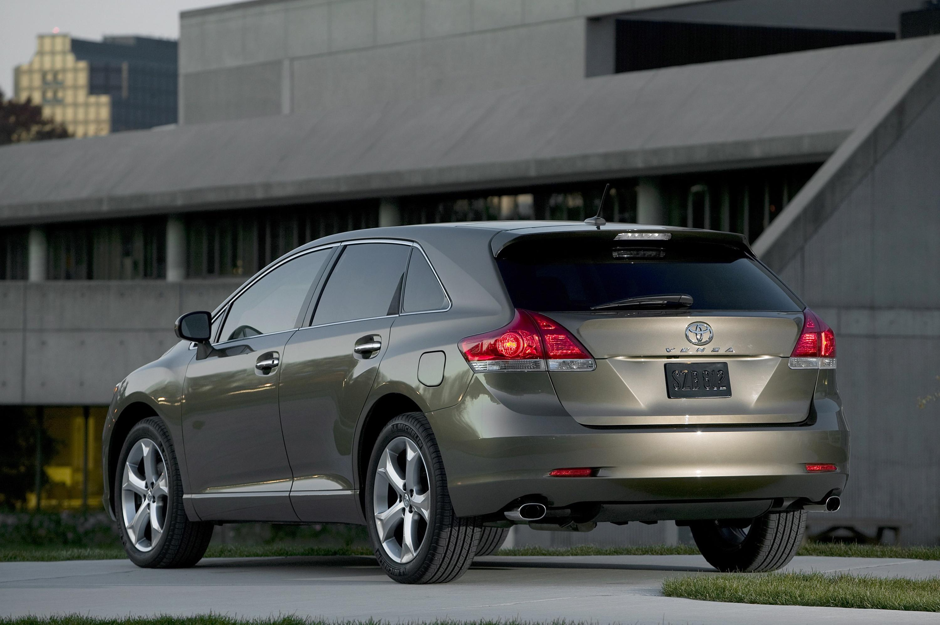 rideapart toyota articles driveapart venza review xle