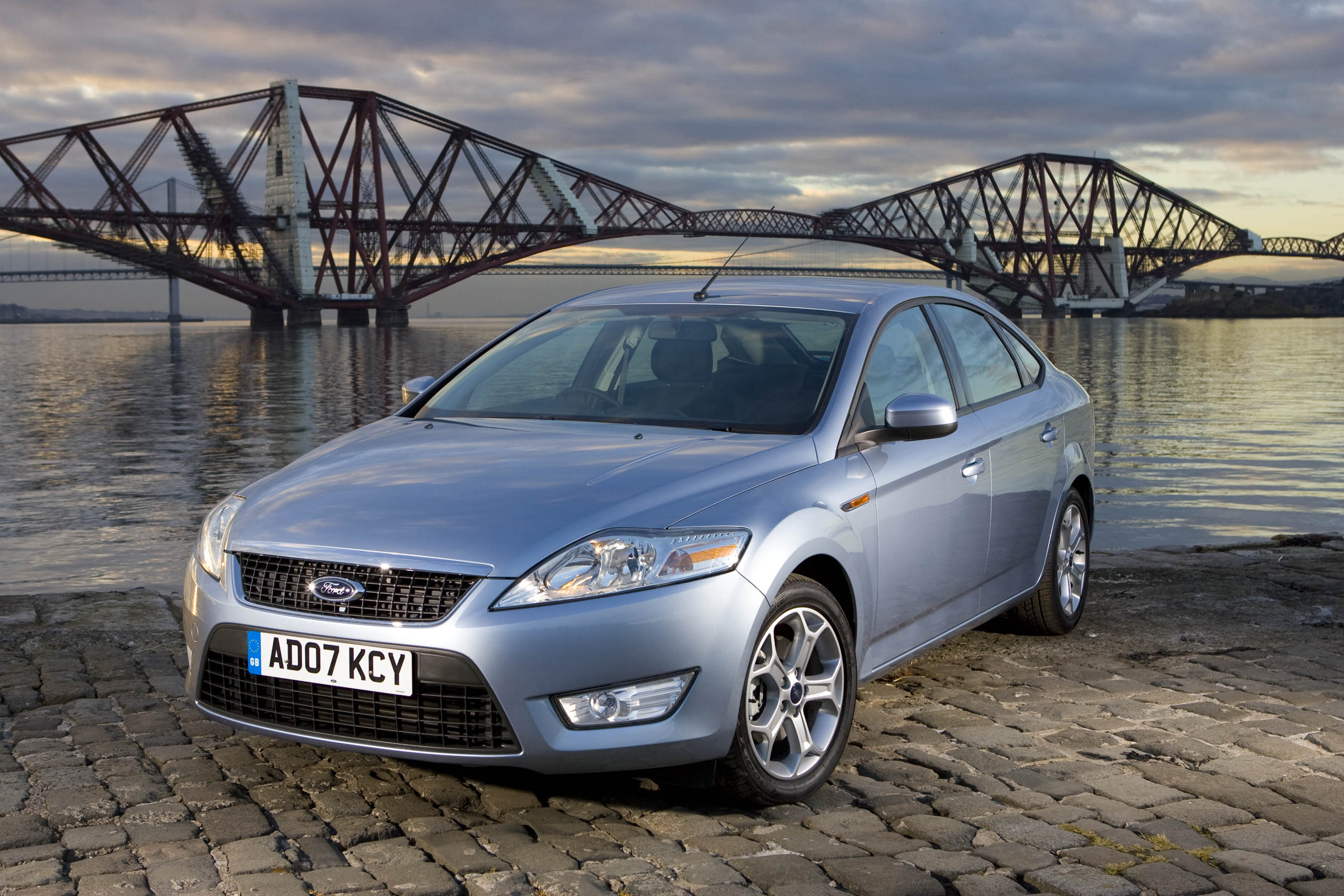 ford mondeo features adaptive cruise control technology. Black Bedroom Furniture Sets. Home Design Ideas