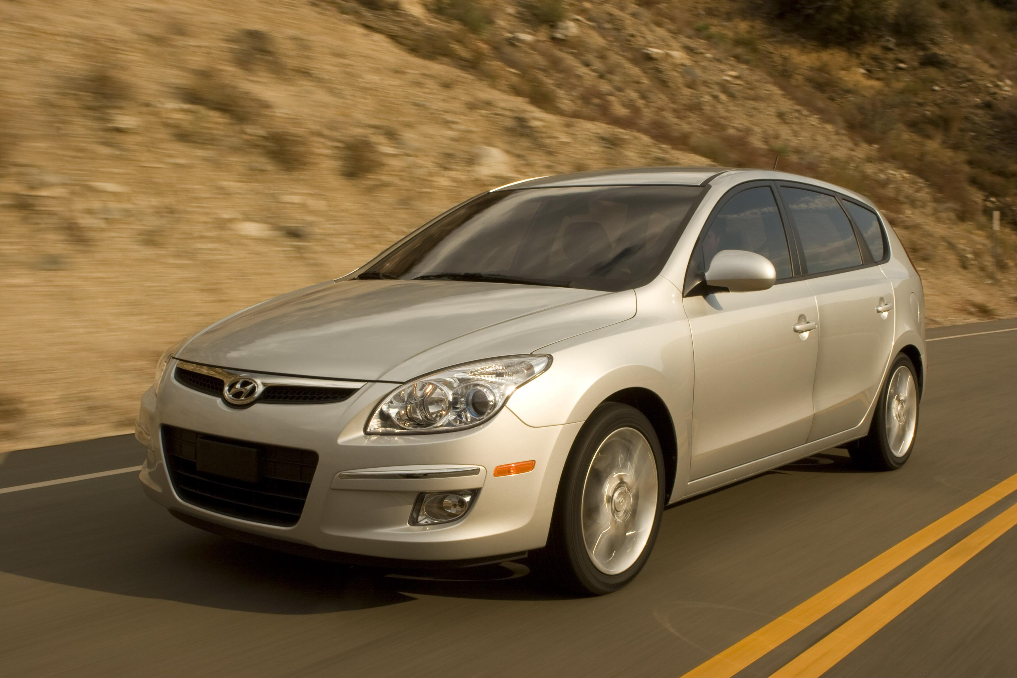 2009 hyundai elantra touring review gallery top speed. Black Bedroom Furniture Sets. Home Design Ideas