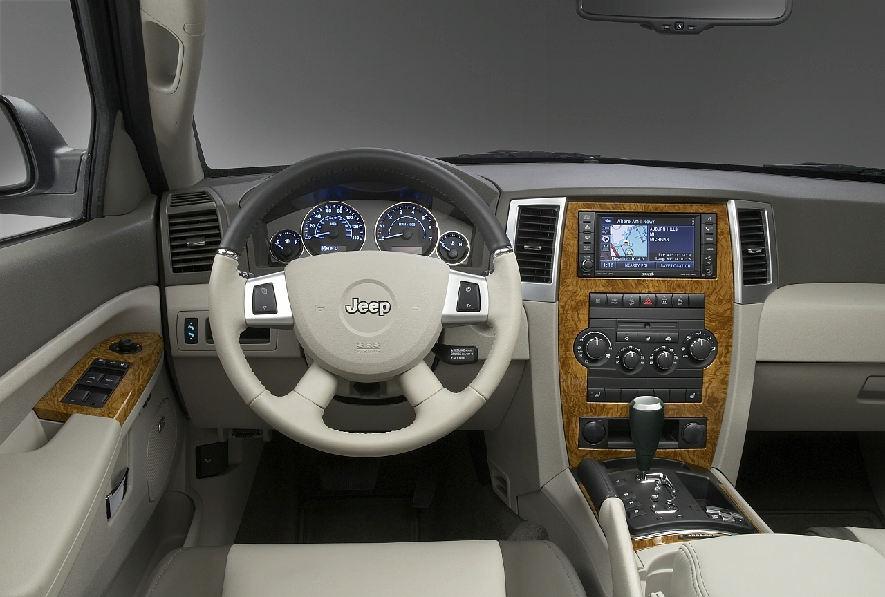 Jeep 2008 jeep grand cherokee interior : 2008 Jeep Grand Cherokee Review - Top Speed