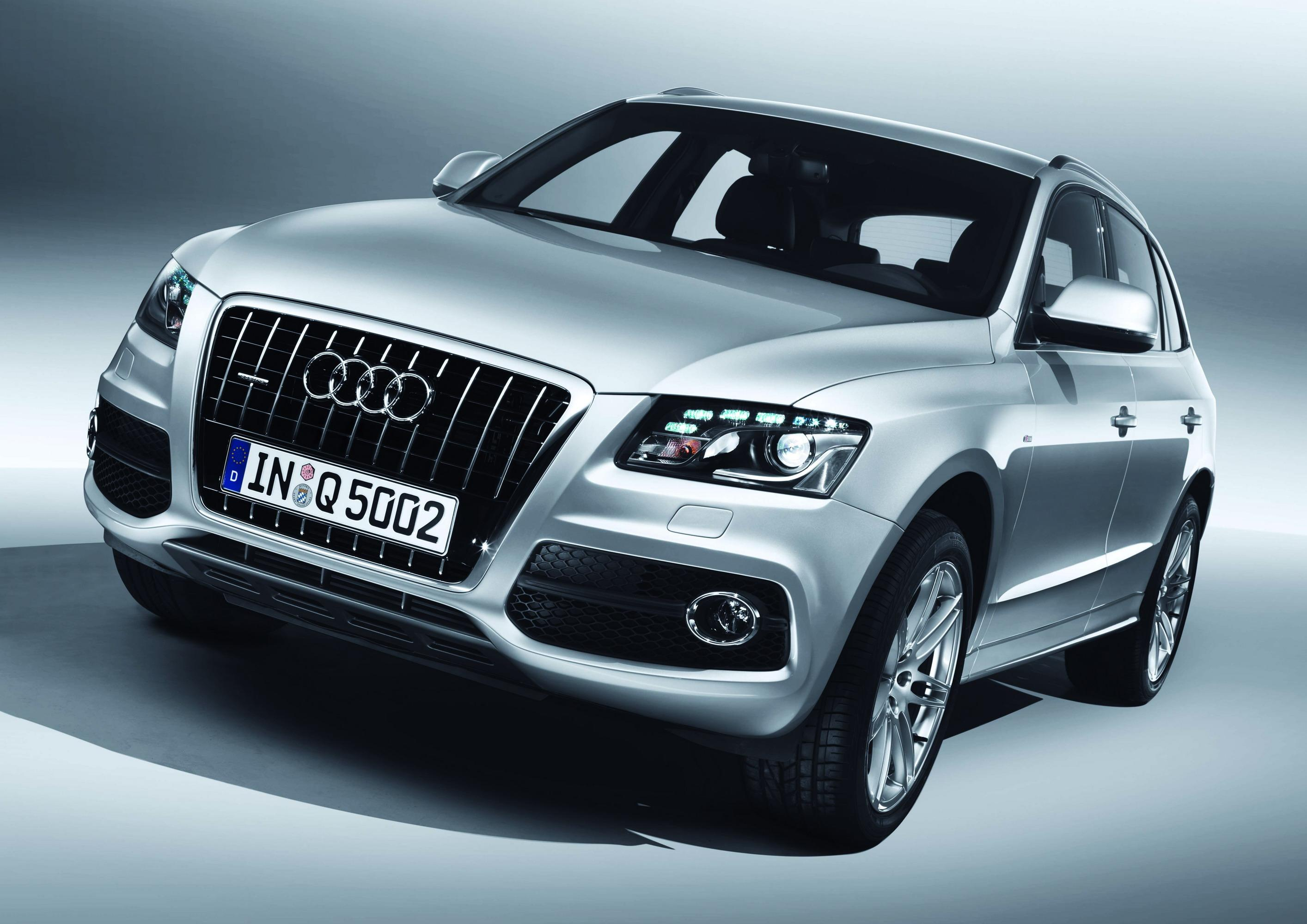 audi q5 s line first official images pictures photos wallpapers top speed. Black Bedroom Furniture Sets. Home Design Ideas