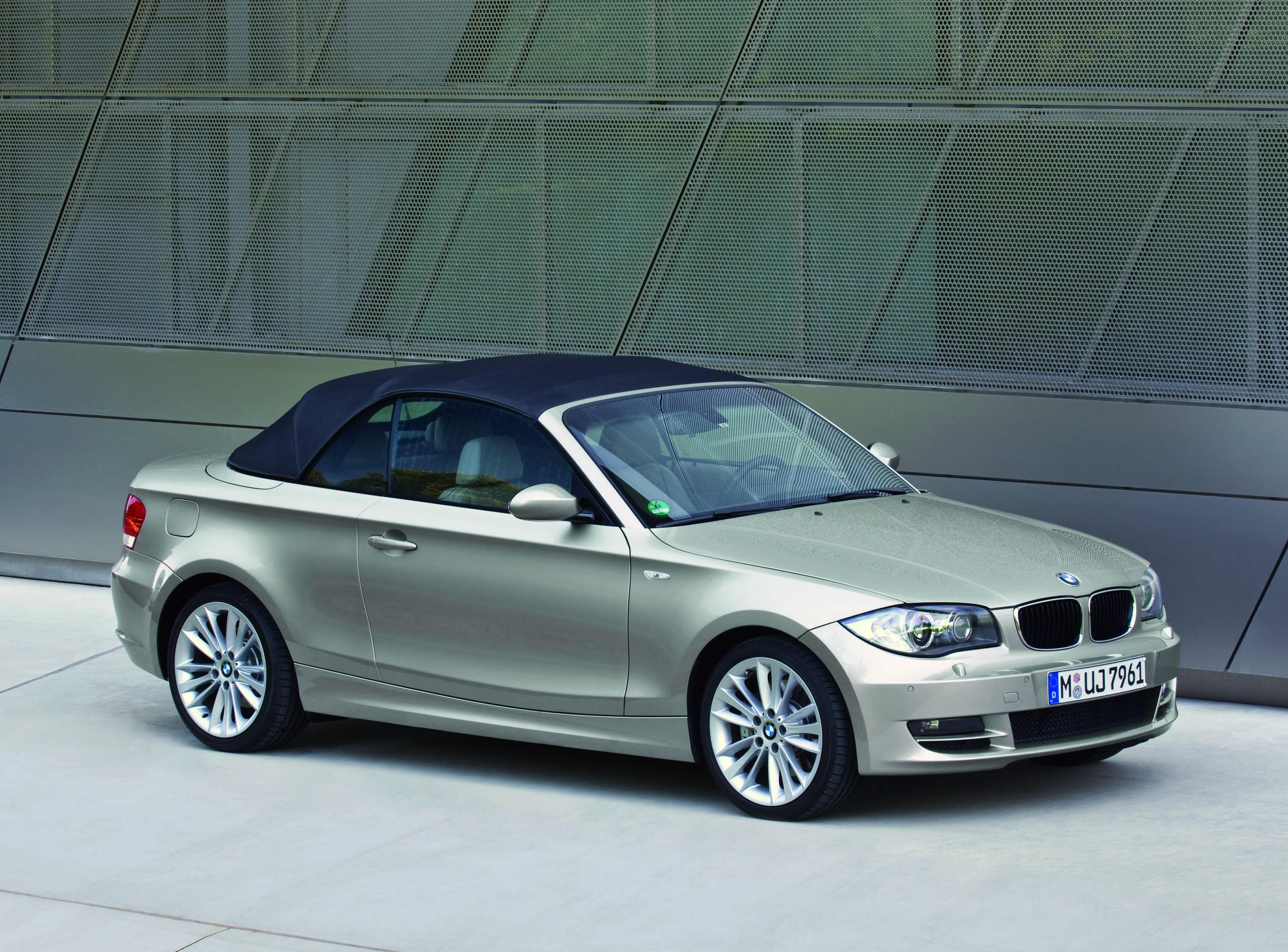 2009 bmw 1 series review top speed. Black Bedroom Furniture Sets. Home Design Ideas