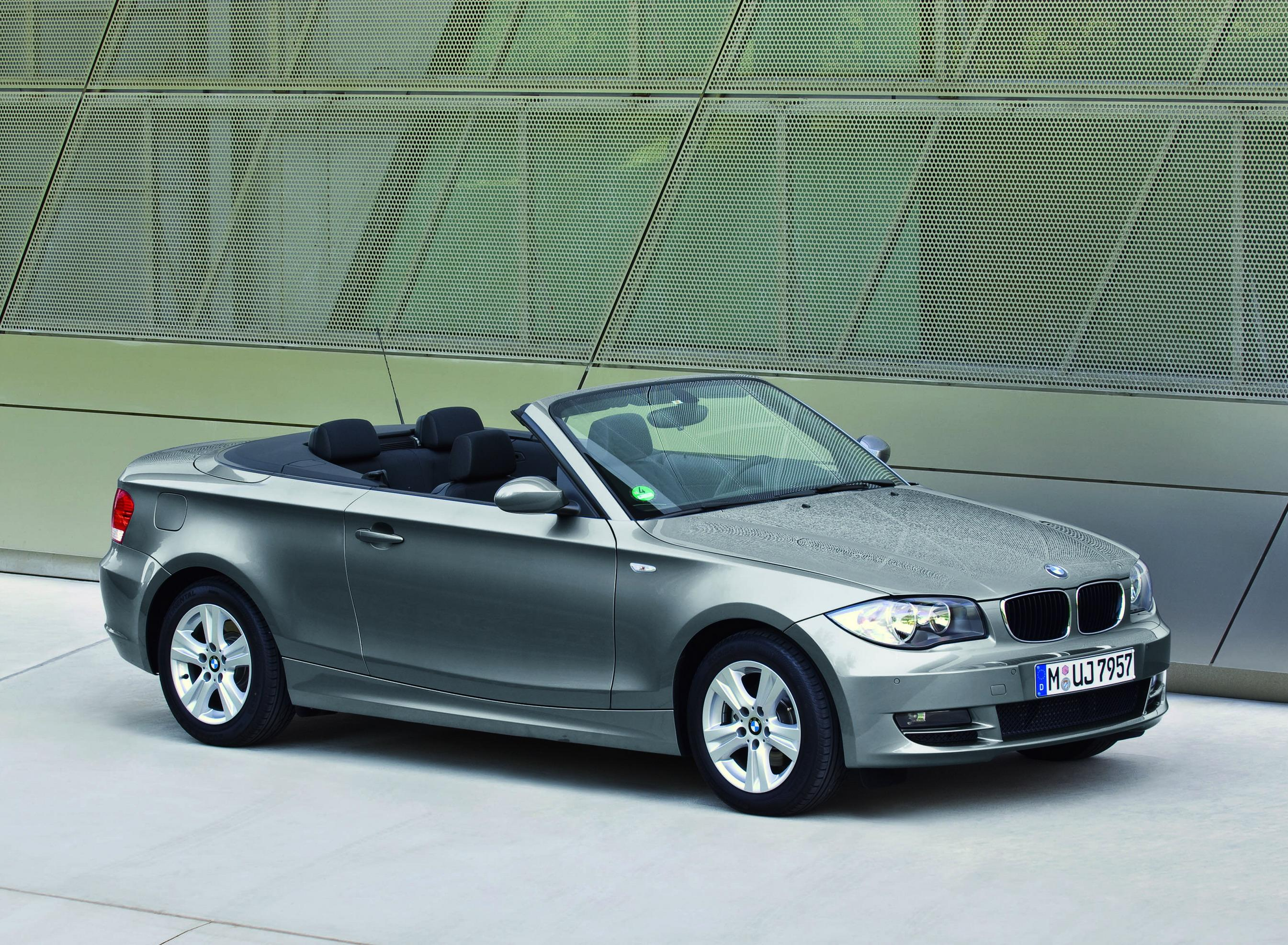 2009 bmw 1 series pictures photos wallpapers top speed. Black Bedroom Furniture Sets. Home Design Ideas