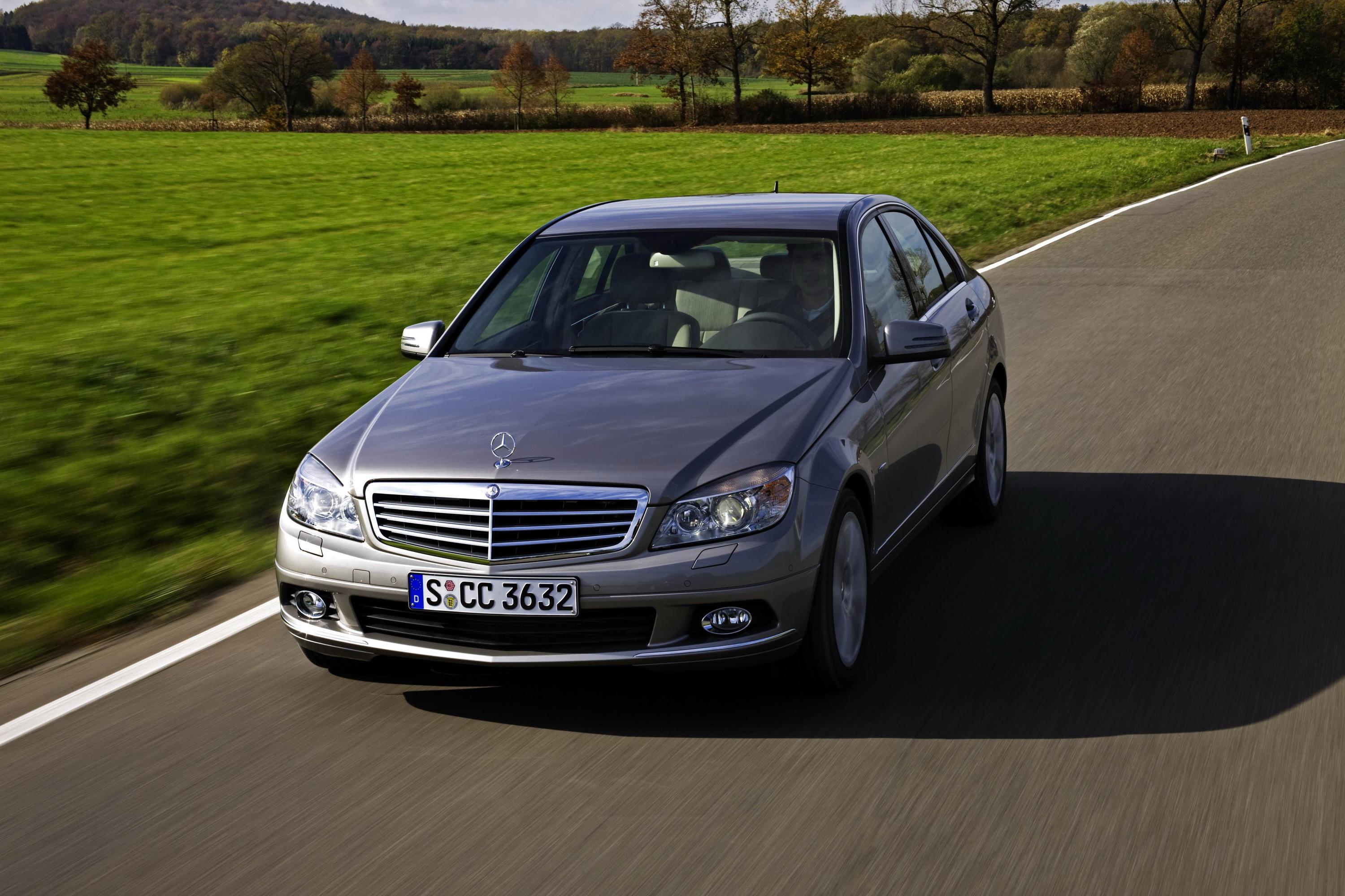 2009 mercedes c350 cgi blueefficiency review top speed. Black Bedroom Furniture Sets. Home Design Ideas
