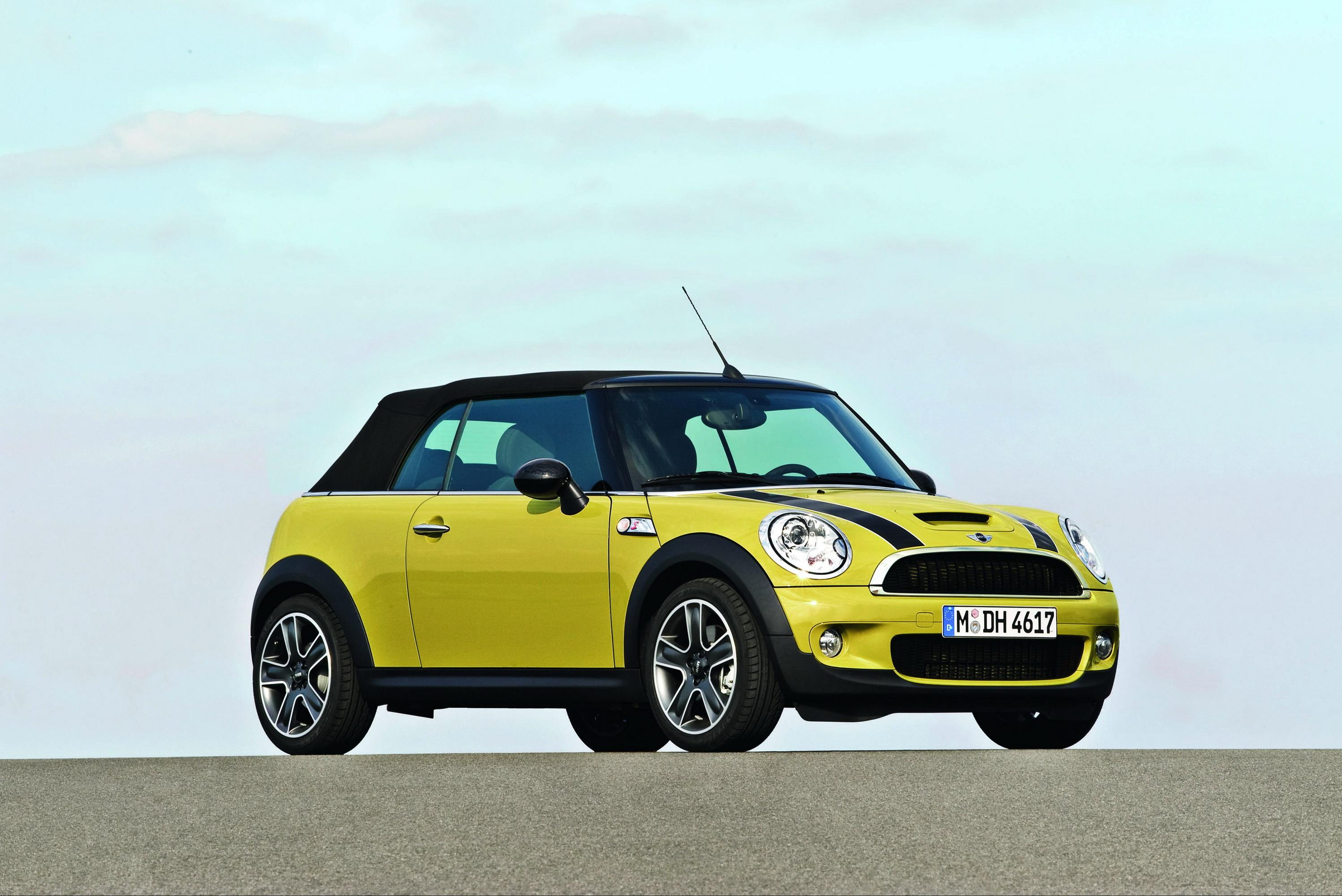 2009 mini cooper cabrio review top speed. Black Bedroom Furniture Sets. Home Design Ideas