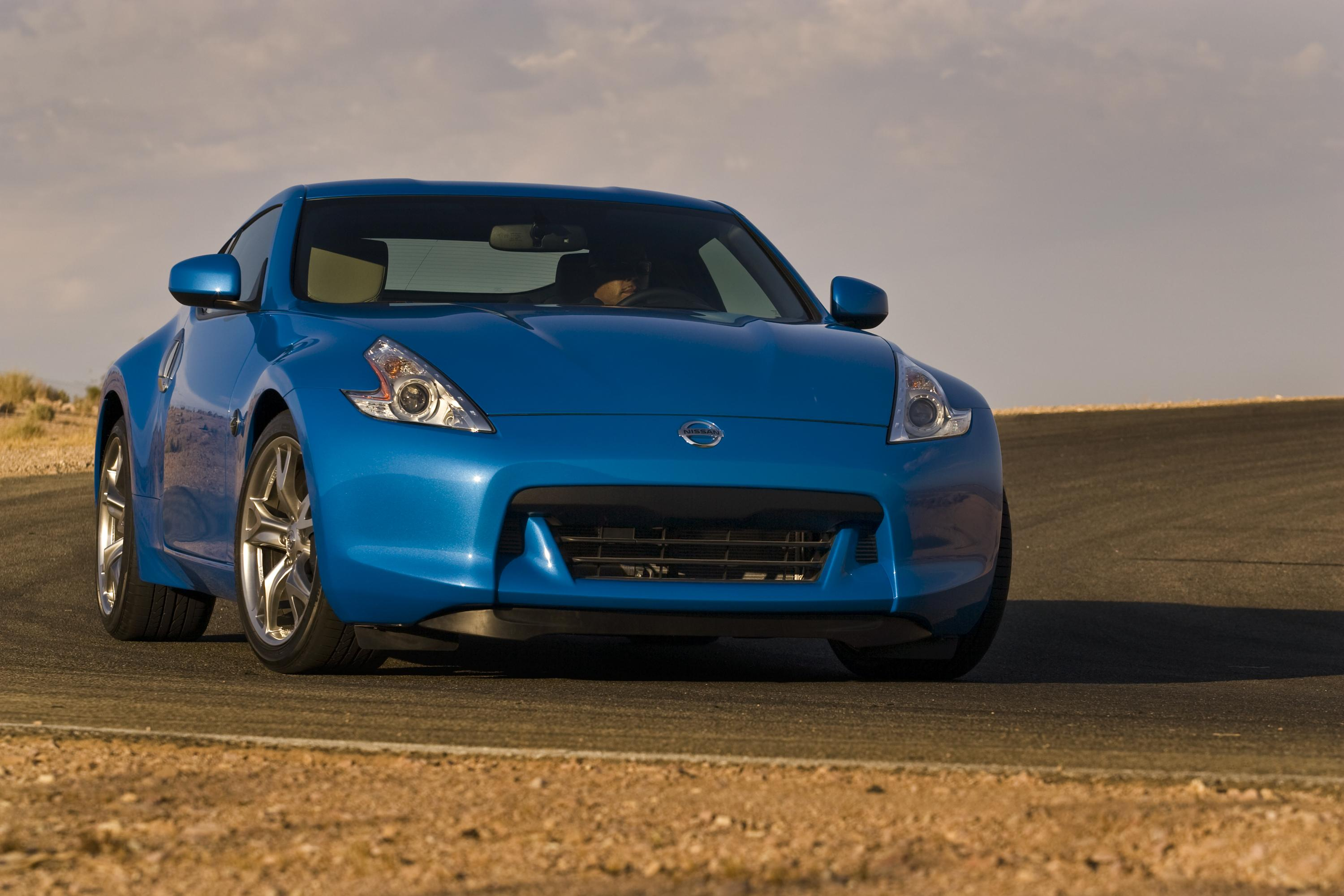 2010 Nissan 370Z Coupe Review   Top Speed. »