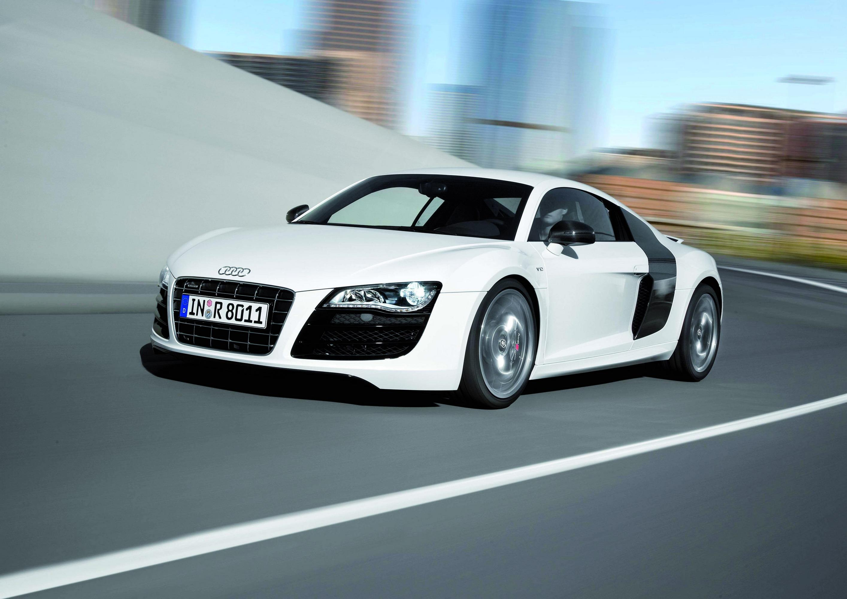 2010 Audi R8 V10 5.2 FSI Review   Top Speed. »