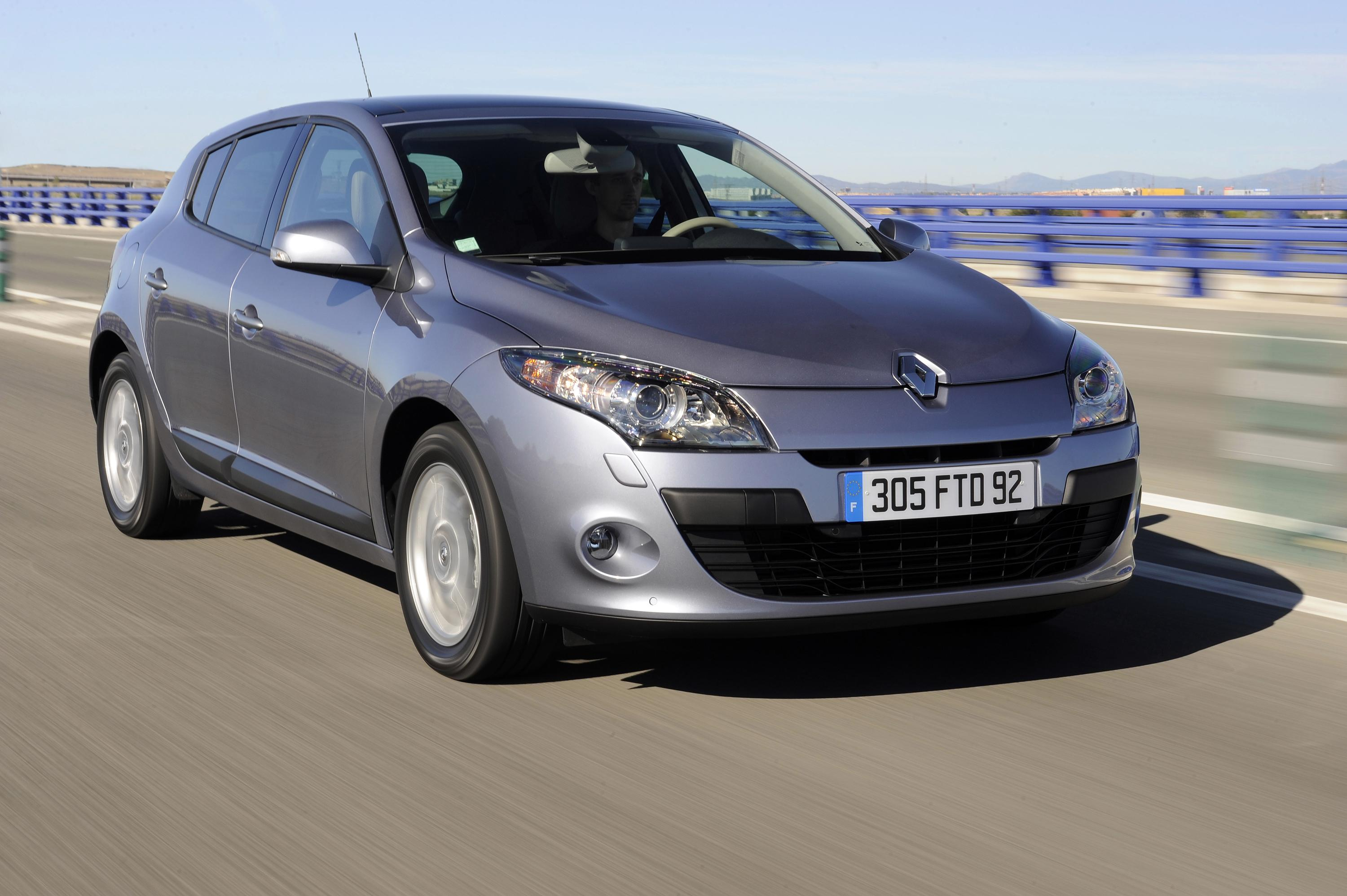 2009 renault megane review top speed. Black Bedroom Furniture Sets. Home Design Ideas
