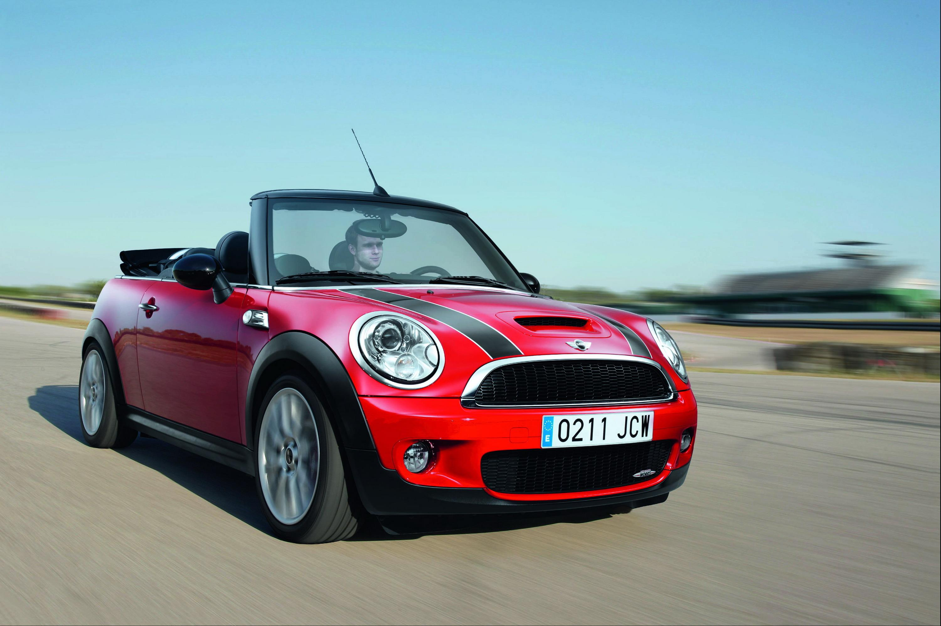 2009 mini john cooper works cabrio top speed. Black Bedroom Furniture Sets. Home Design Ideas