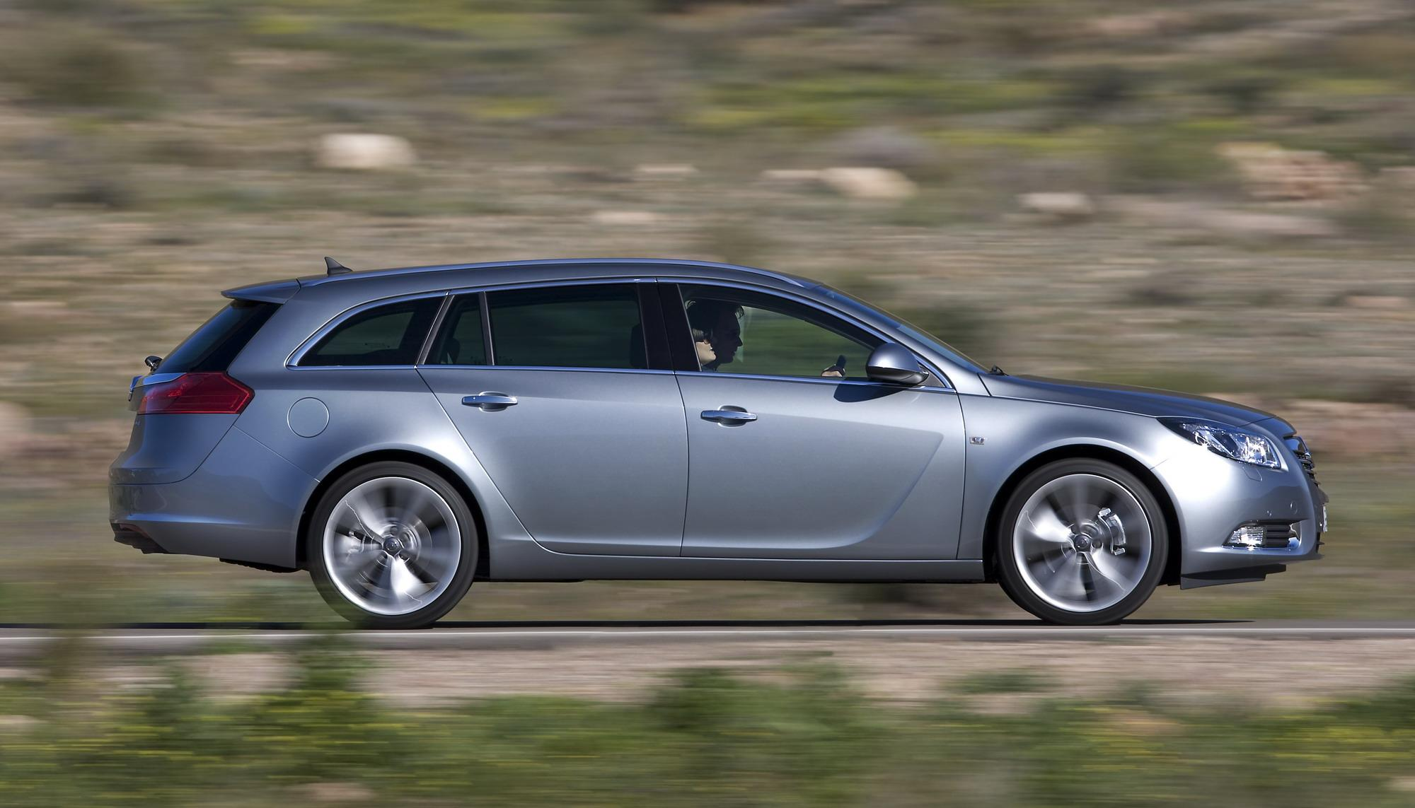 2009 opel insignia sports tourer review top speed. Black Bedroom Furniture Sets. Home Design Ideas