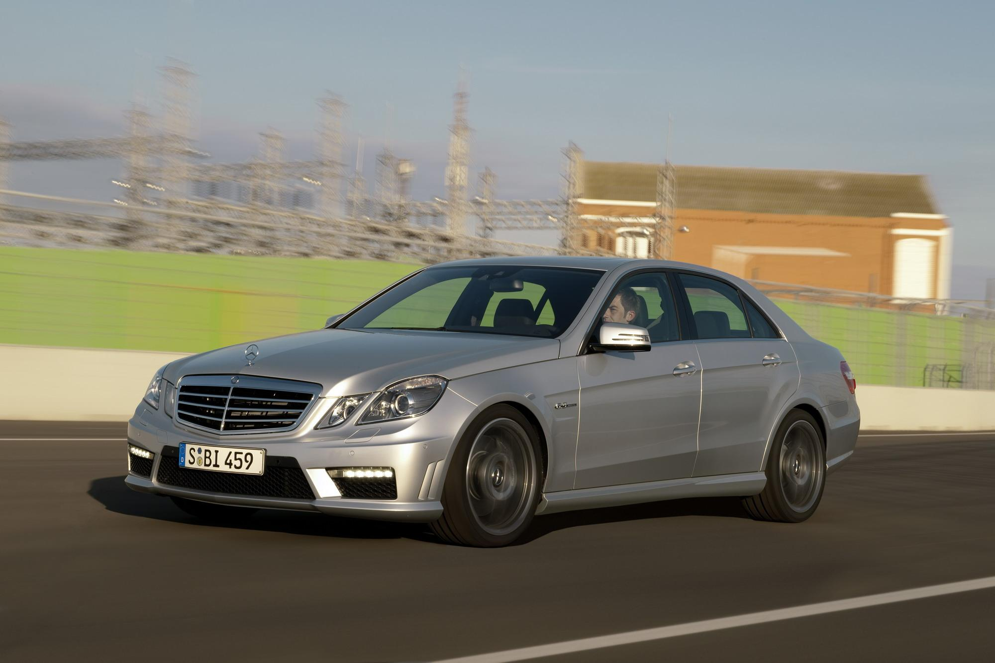 2010 Mercedes E63 AMG | Top Speed. »