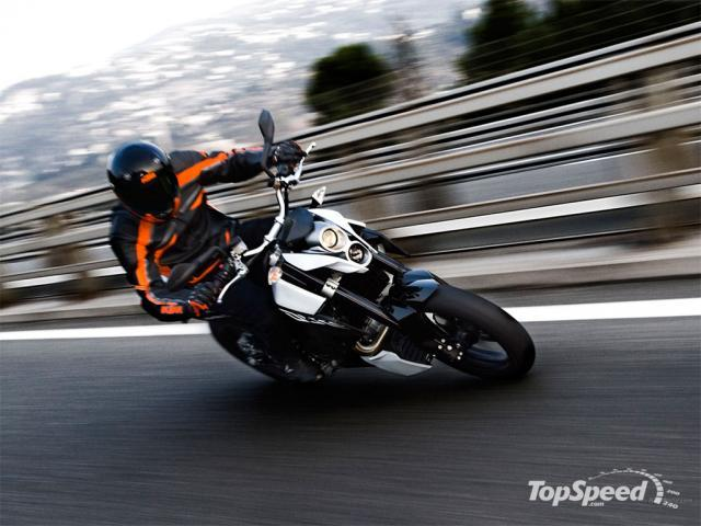 2009 KTM 690 Duke Wallpaper