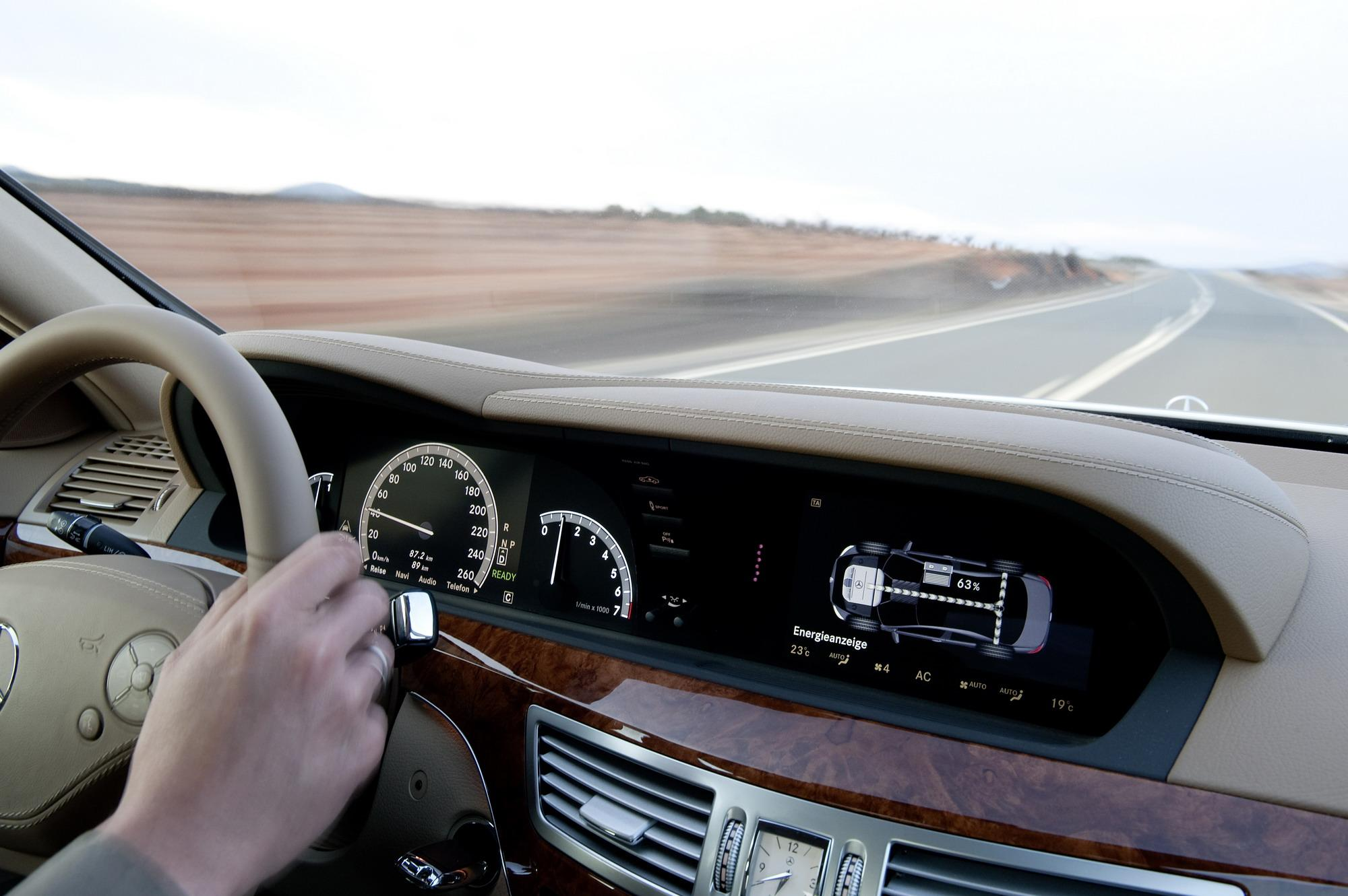 2010 Mercedes S-Class | Top Speed