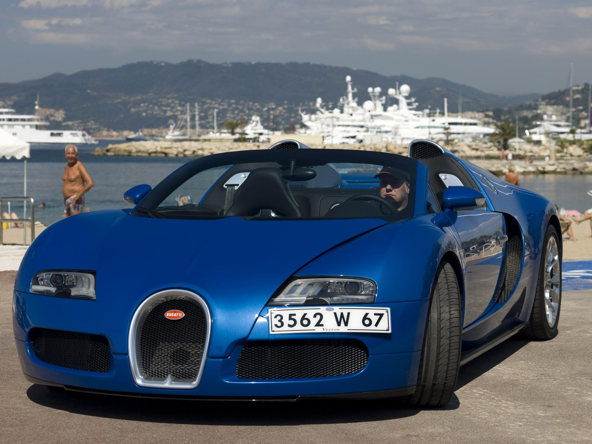 bugatti veyron 16 4 grand sport production begins news. Black Bedroom Furniture Sets. Home Design Ideas