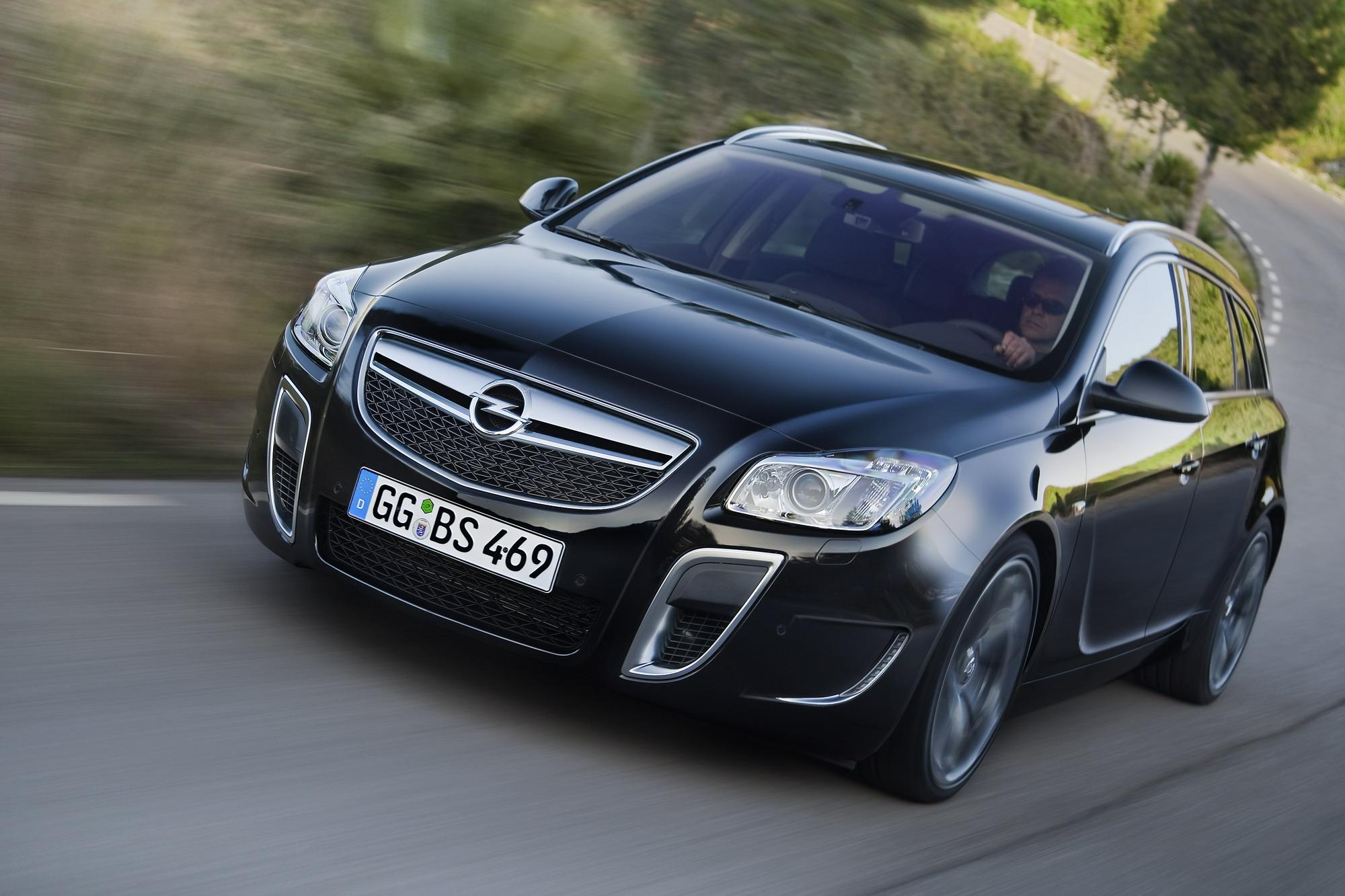 2010 opel insignia opc sports tourer top speed. Black Bedroom Furniture Sets. Home Design Ideas
