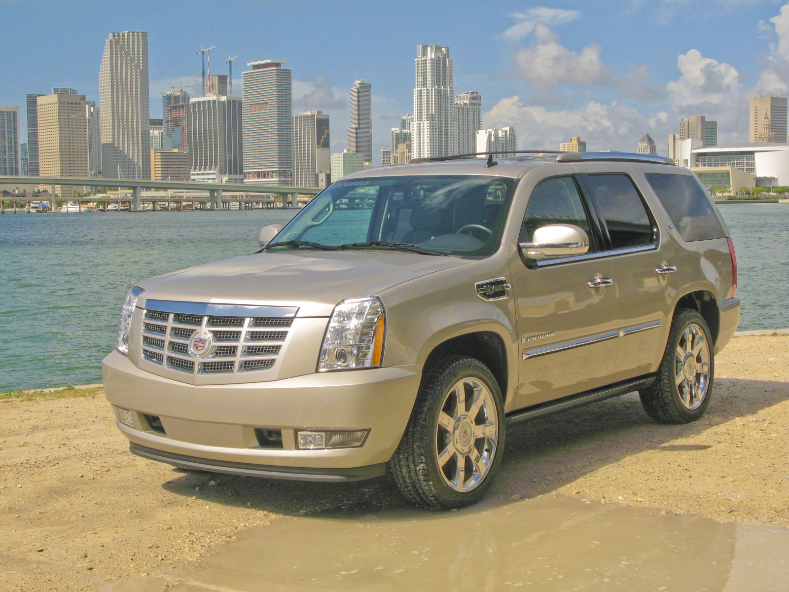 2009 cadillac escalade hybrid pictures photos wallpapers top speed. Black Bedroom Furniture Sets. Home Design Ideas