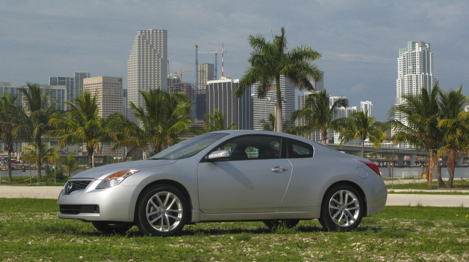 2009 Nissan Altima Coupe 3.5 SE Review   Top Speed. »