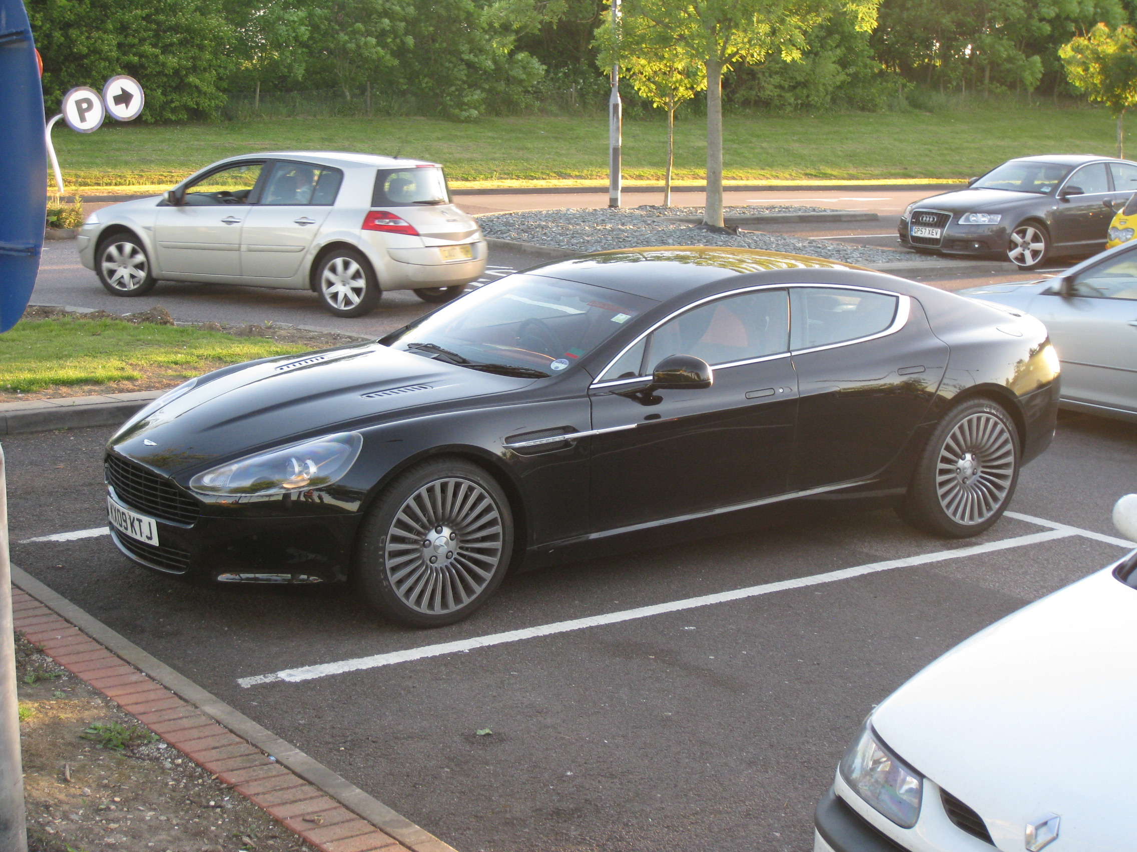 aston martin rapide caught undisguised news top speed. Black Bedroom Furniture Sets. Home Design Ideas