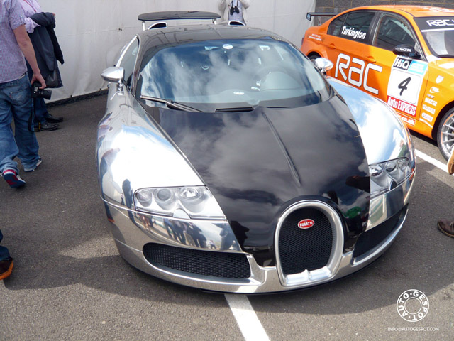 bugatti veyron pur sang in silverstone news top speed. Black Bedroom Furniture Sets. Home Design Ideas