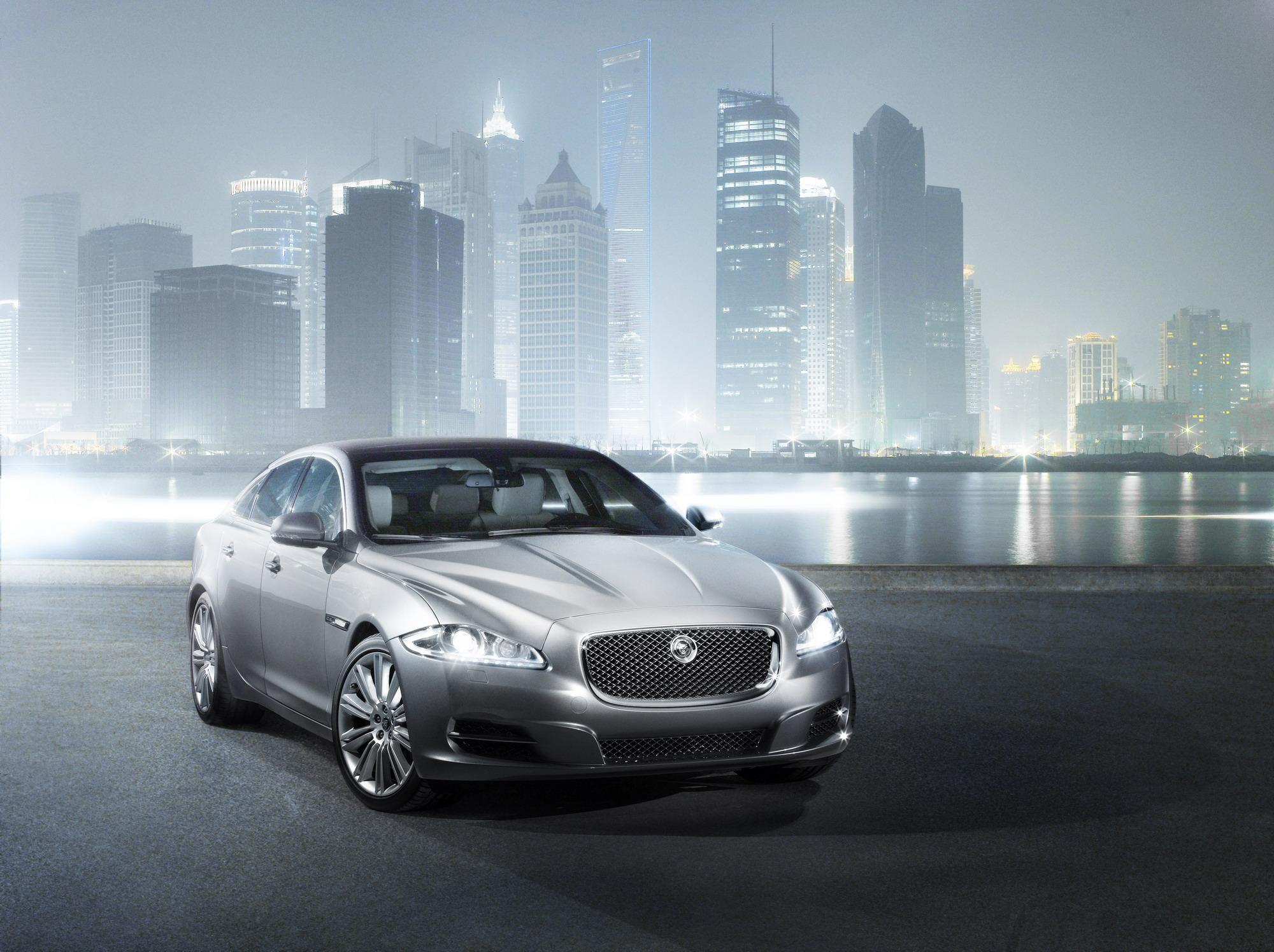 cover breaks official jaguar xj auto