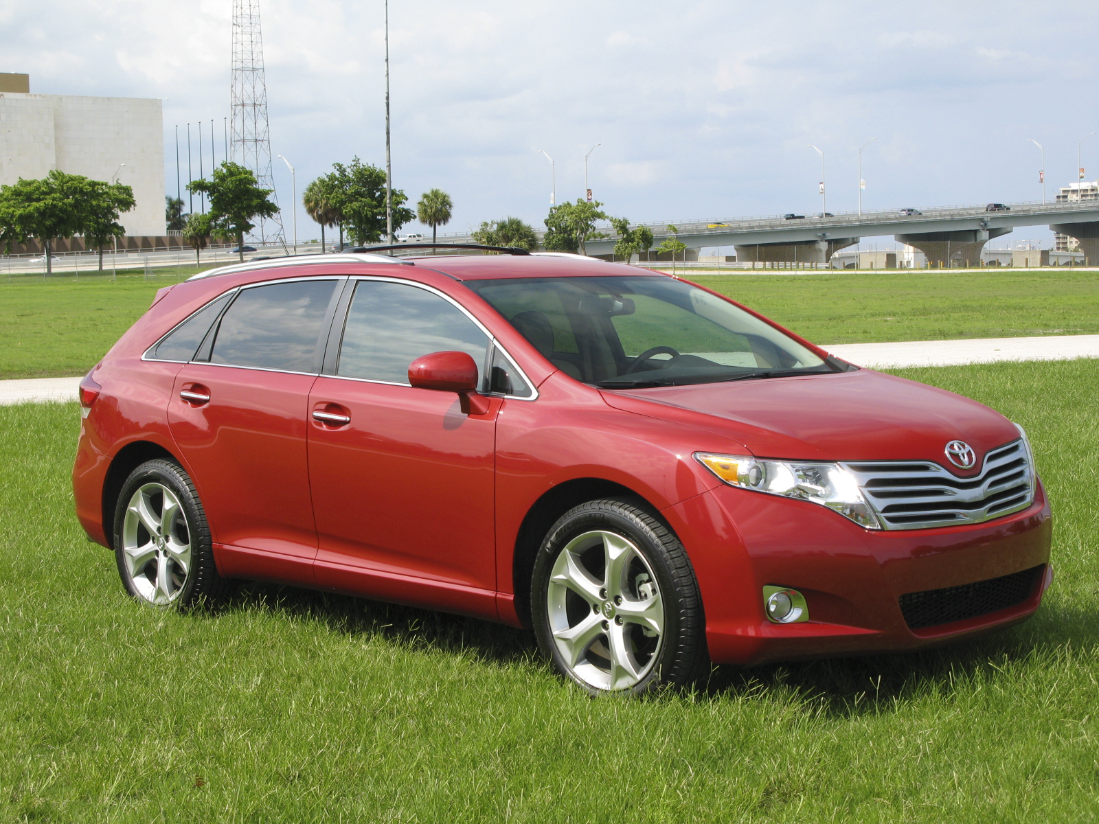 toyota track hr drive quick venza test c reviews cars view vs road video auto
