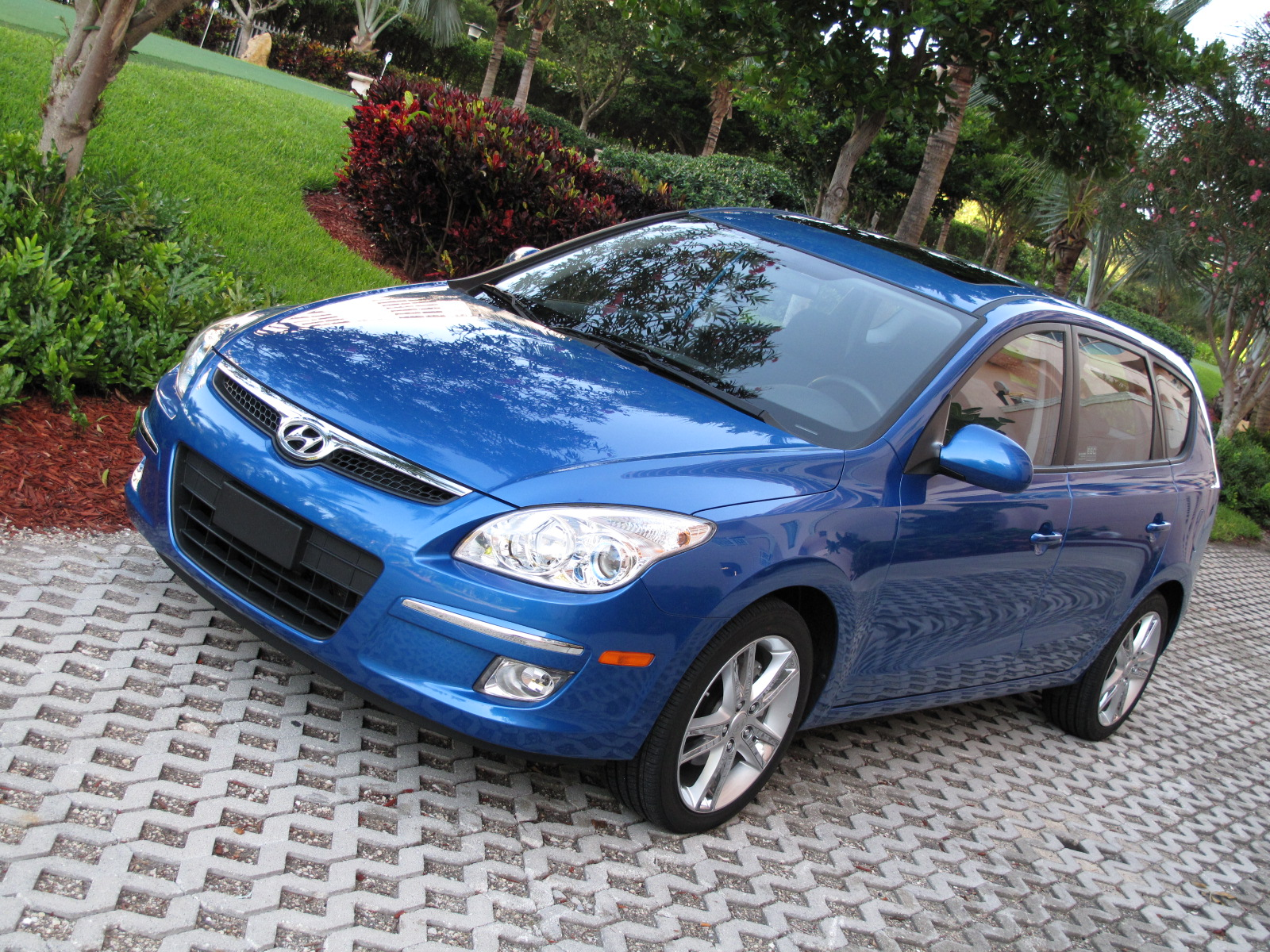 initial thoughts hyundai elantra touring news top speed. Black Bedroom Furniture Sets. Home Design Ideas