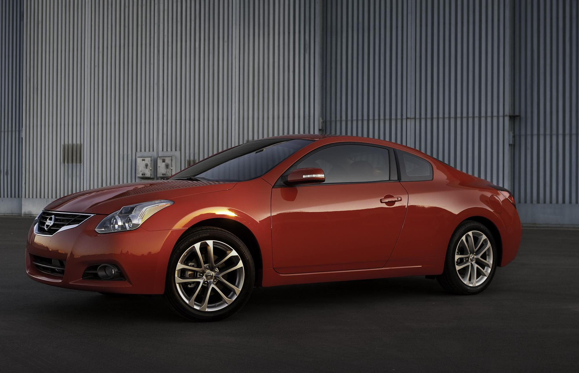 2010 Nissan Altima Coupe | Top Speed