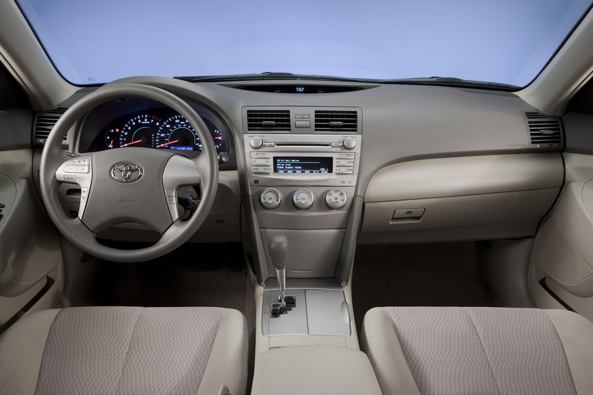 2010 Toyota Camry | Top Speed