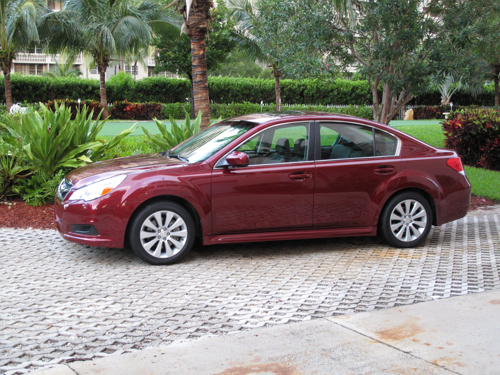 initial thoughts 2010 subaru legacy 3 6 r gallery 319558 top speed. Black Bedroom Furniture Sets. Home Design Ideas