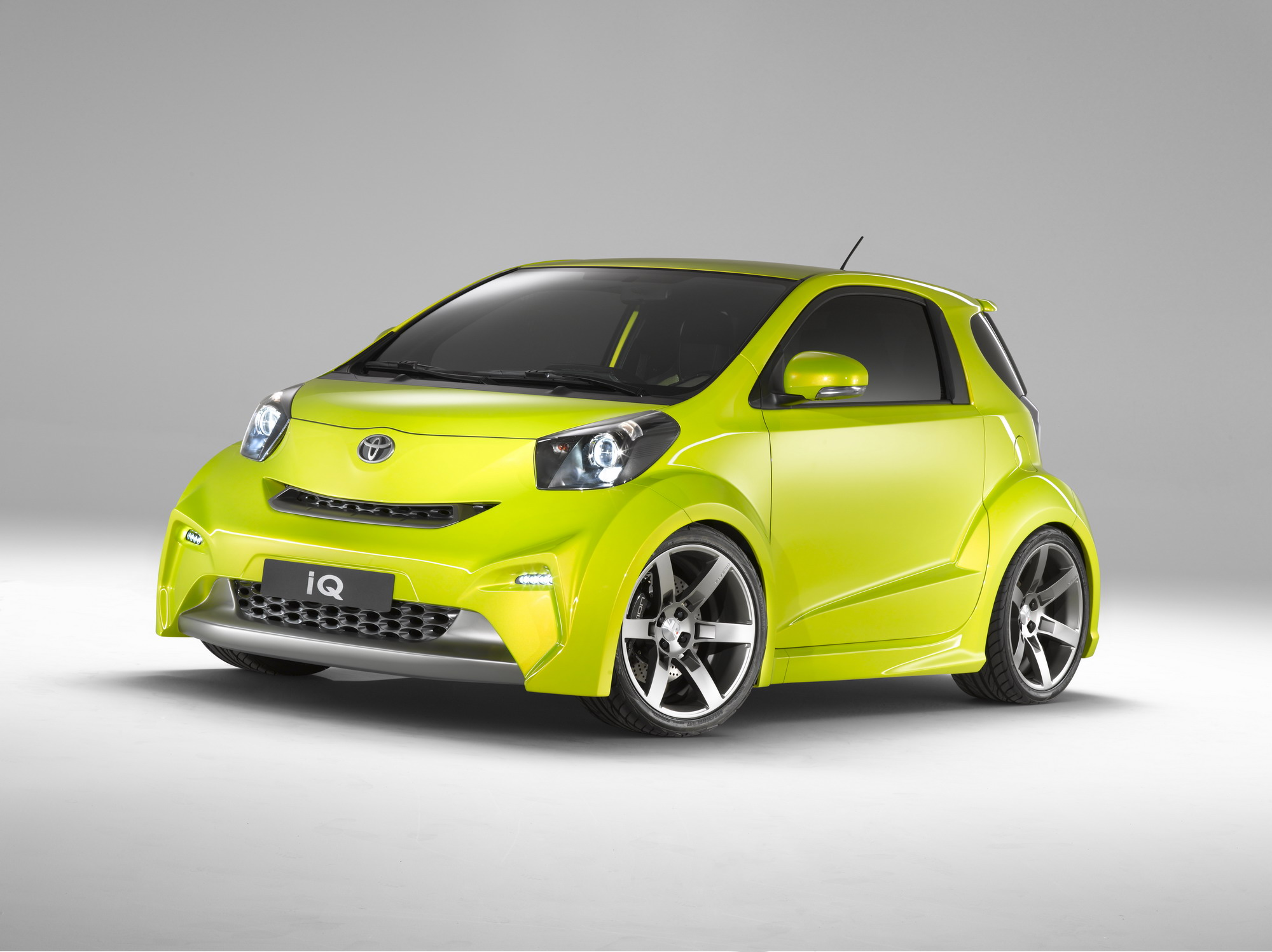 2009 toyota iq for sports and iq collection review top speed. Black Bedroom Furniture Sets. Home Design Ideas