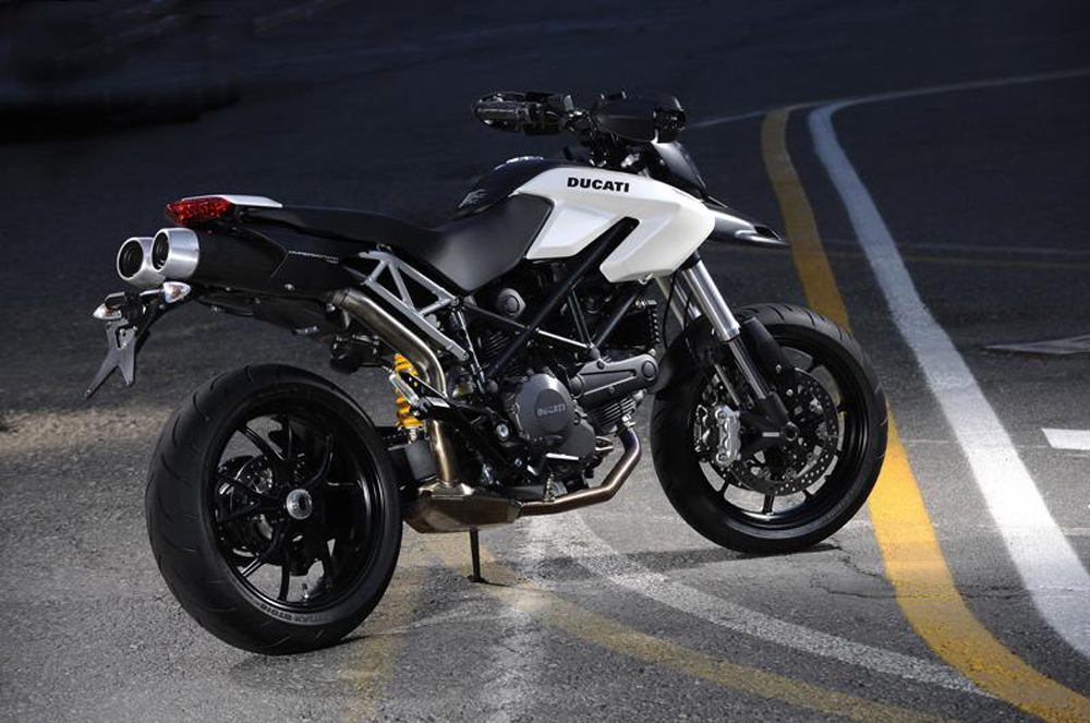 2010 ducati hypermotard 796 review top speed. Black Bedroom Furniture Sets. Home Design Ideas