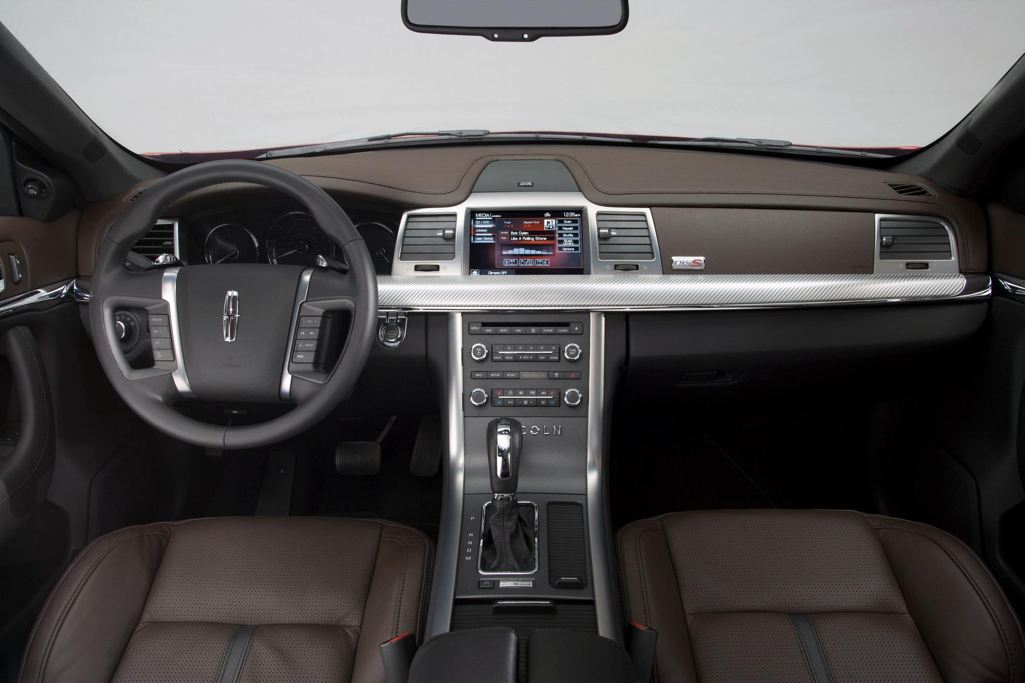 mks road review rear reality lincolnmks lincoln