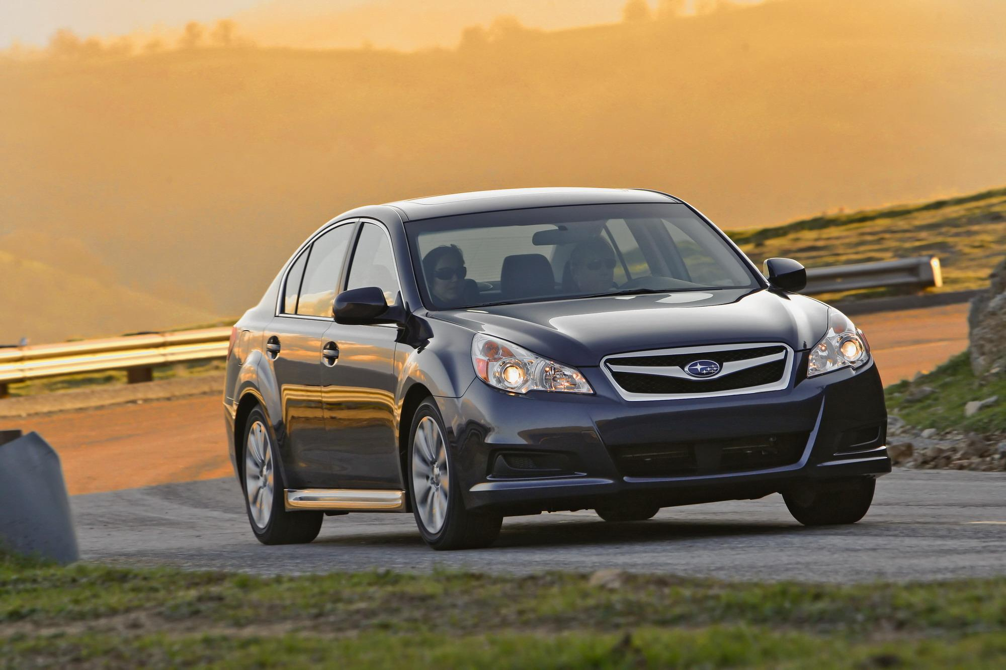 Subaru Legacy: To increase the speed (by accelerator pedal)