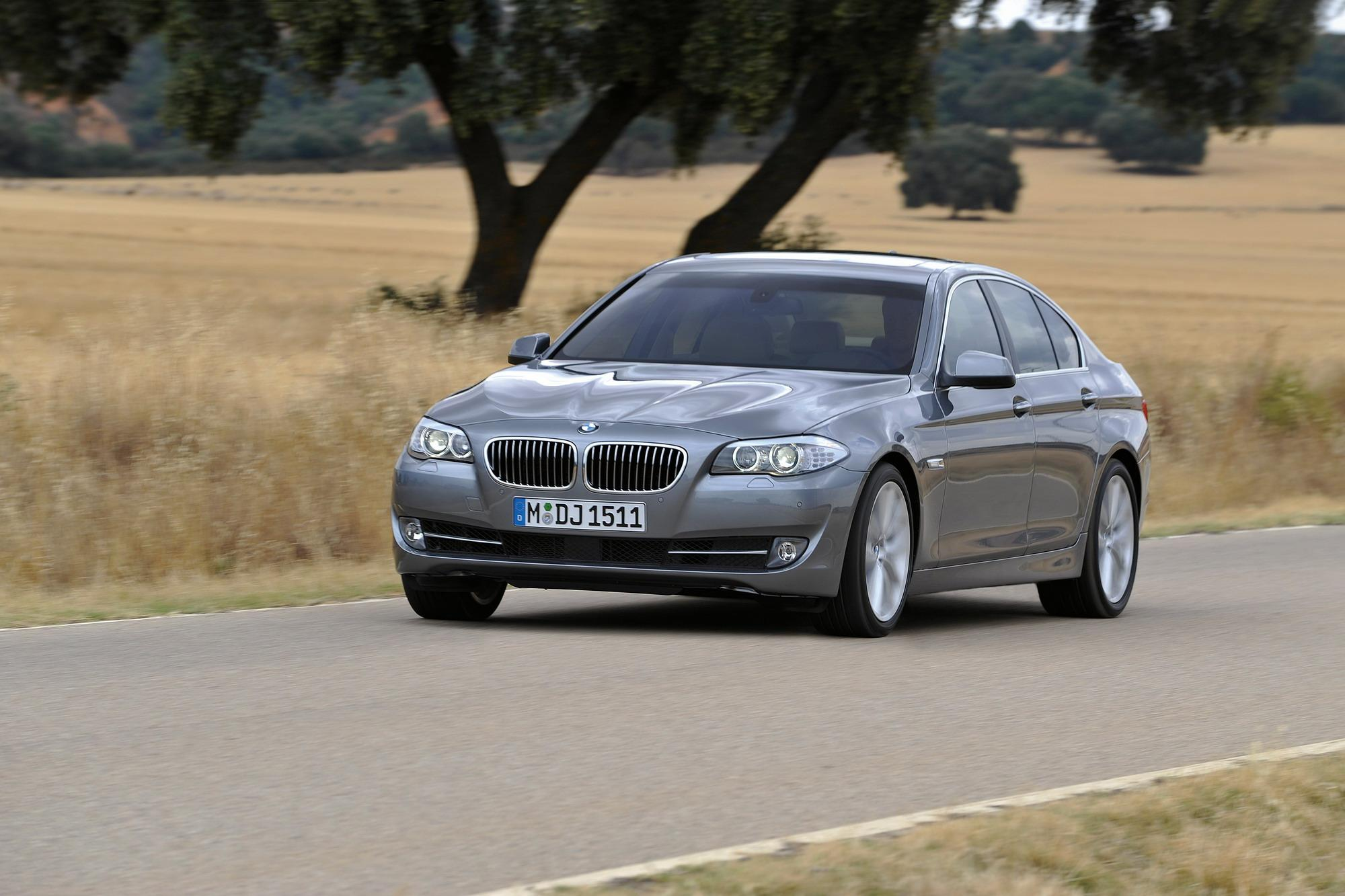 2011 bmw 5 series sedan gallery 334606 top speed. Black Bedroom Furniture Sets. Home Design Ideas