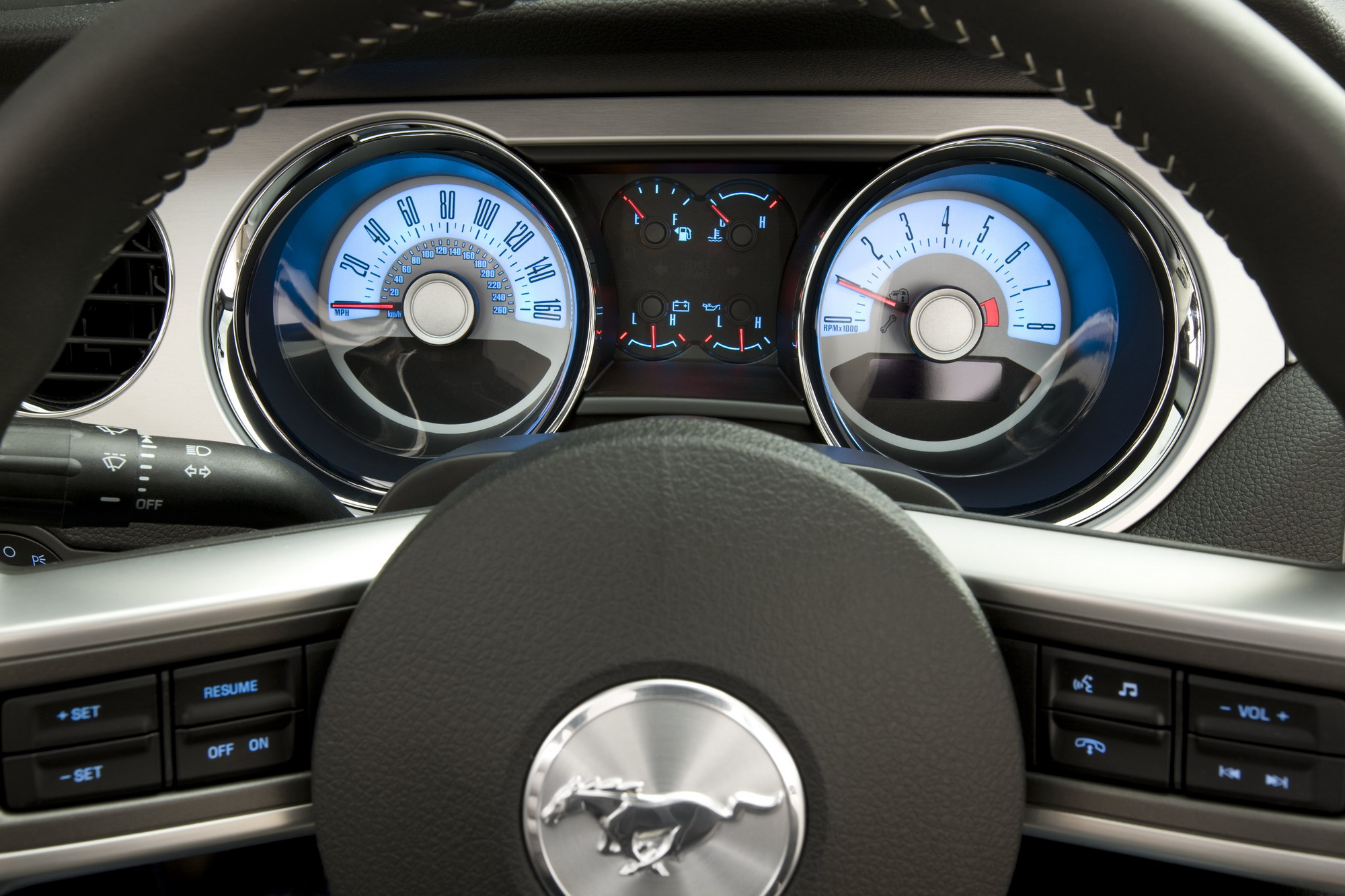 2011 ford mustang v6 top speed