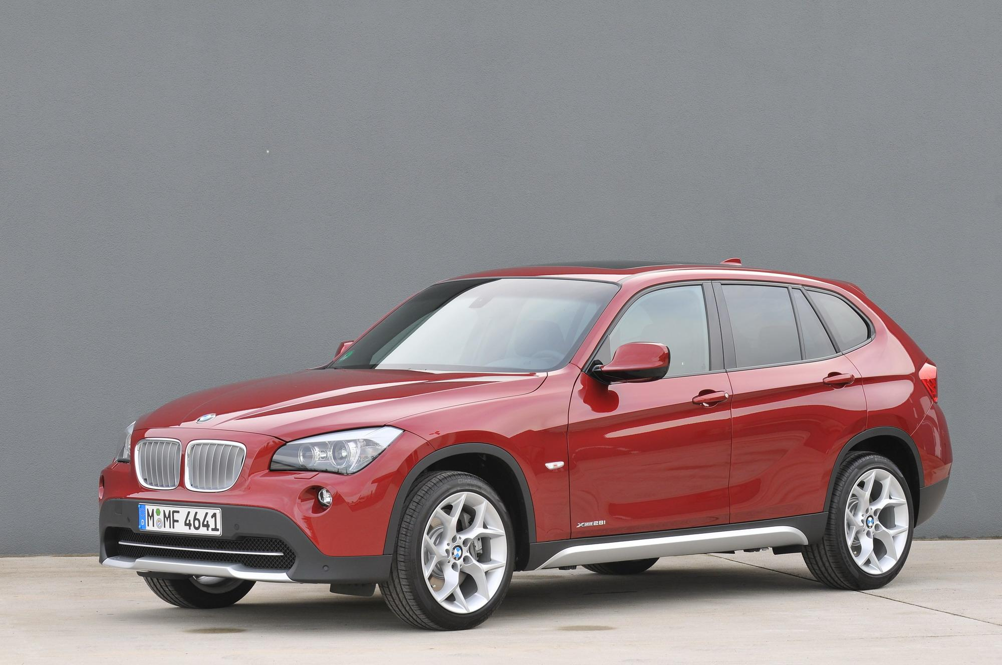 2010 bmw x1 xdrive28i and xdrive25i top speed. Black Bedroom Furniture Sets. Home Design Ideas