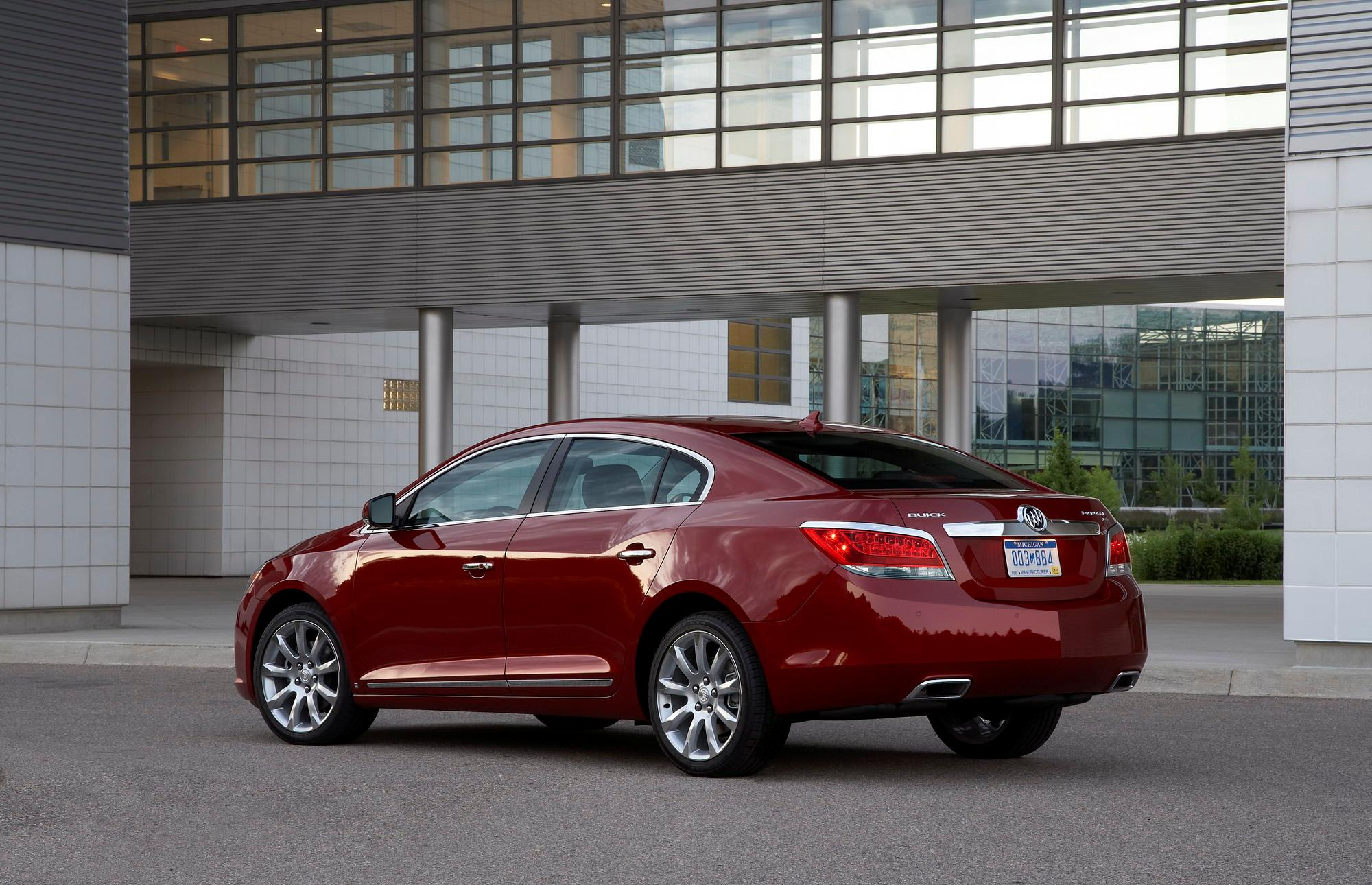Buick LaCrosse: With Selective Ride Control