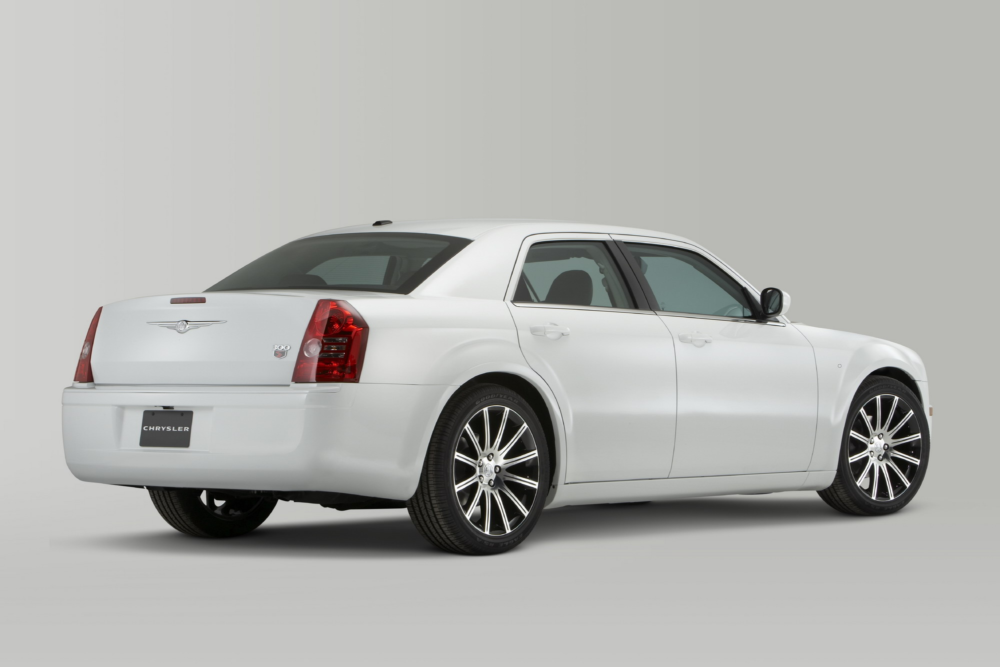2010 chrysler 300 s6 and 300 s8 gallery 341298 top speed. Black Bedroom Furniture Sets. Home Design Ideas