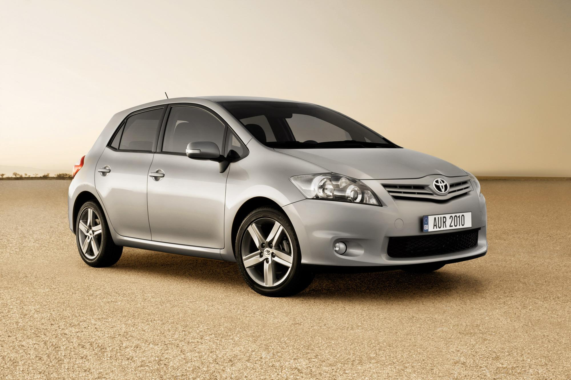 2010 toyota auris review top speed. Black Bedroom Furniture Sets. Home Design Ideas