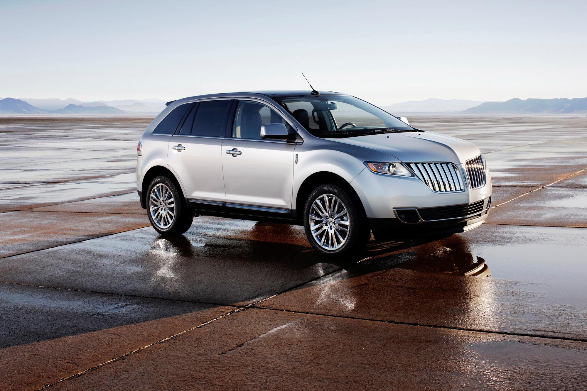 photos driver side drive features base sedan mkz reviews interior wheel lincoln mkx front price