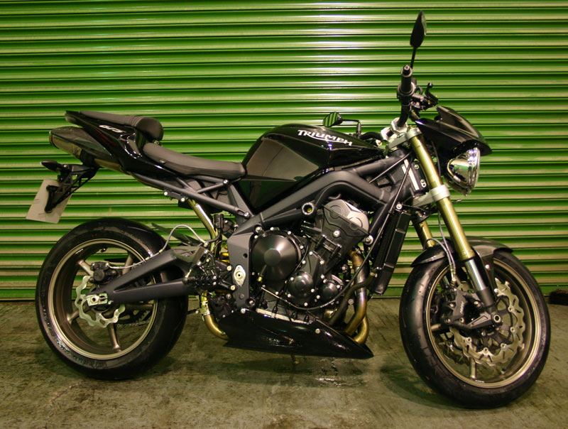 triumph street triple r the better version top speed. Black Bedroom Furniture Sets. Home Design Ideas