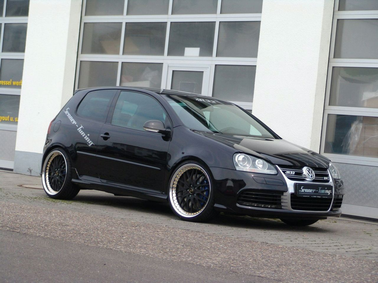 volkswagen golf v r32 by senner tuning top speed. Black Bedroom Furniture Sets. Home Design Ideas