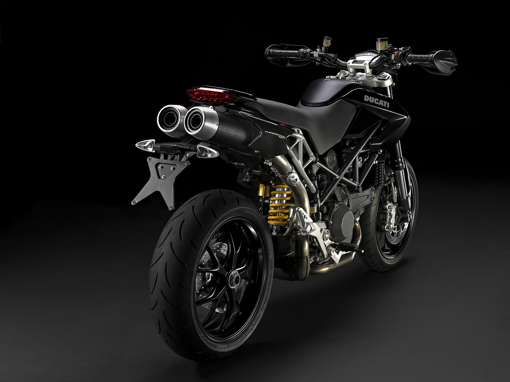 2010 ducati hypermotard 1100 evo evo sp review top speed. Black Bedroom Furniture Sets. Home Design Ideas