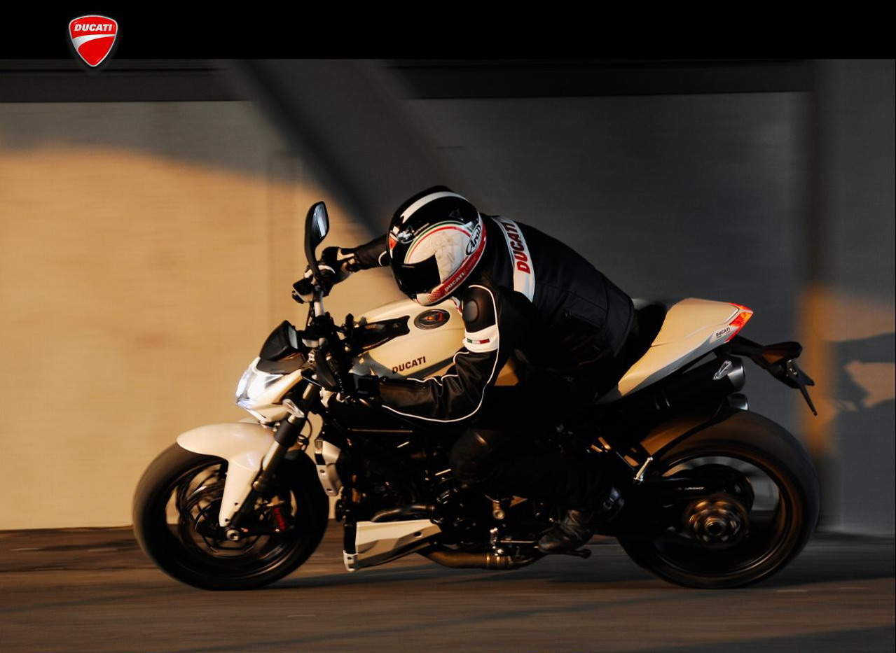 2010 Ducati Streetfighter/Streetfighter S | Top Speed